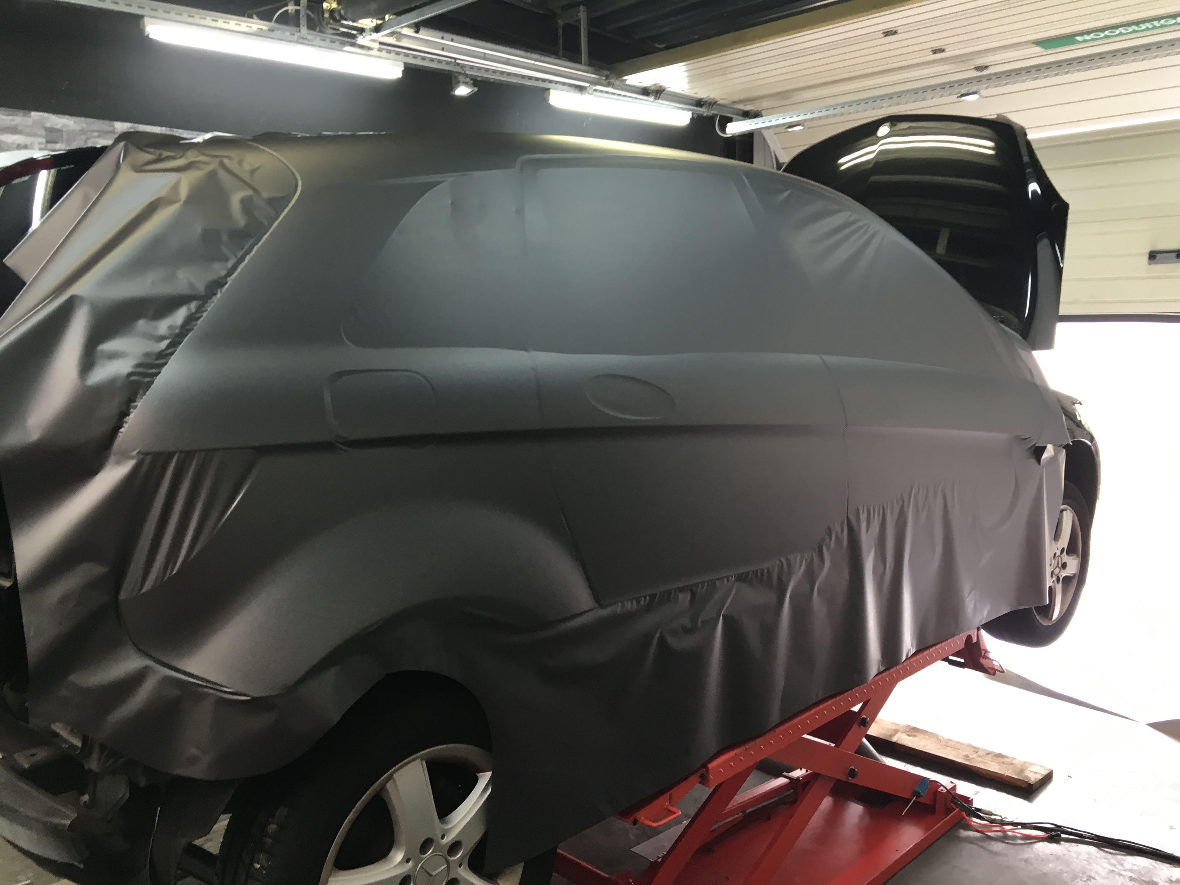 Mercedes B-klasse matte dark grey, Carwrapping door Wrapmyride.nu Foto-nr:9312, ©2020
