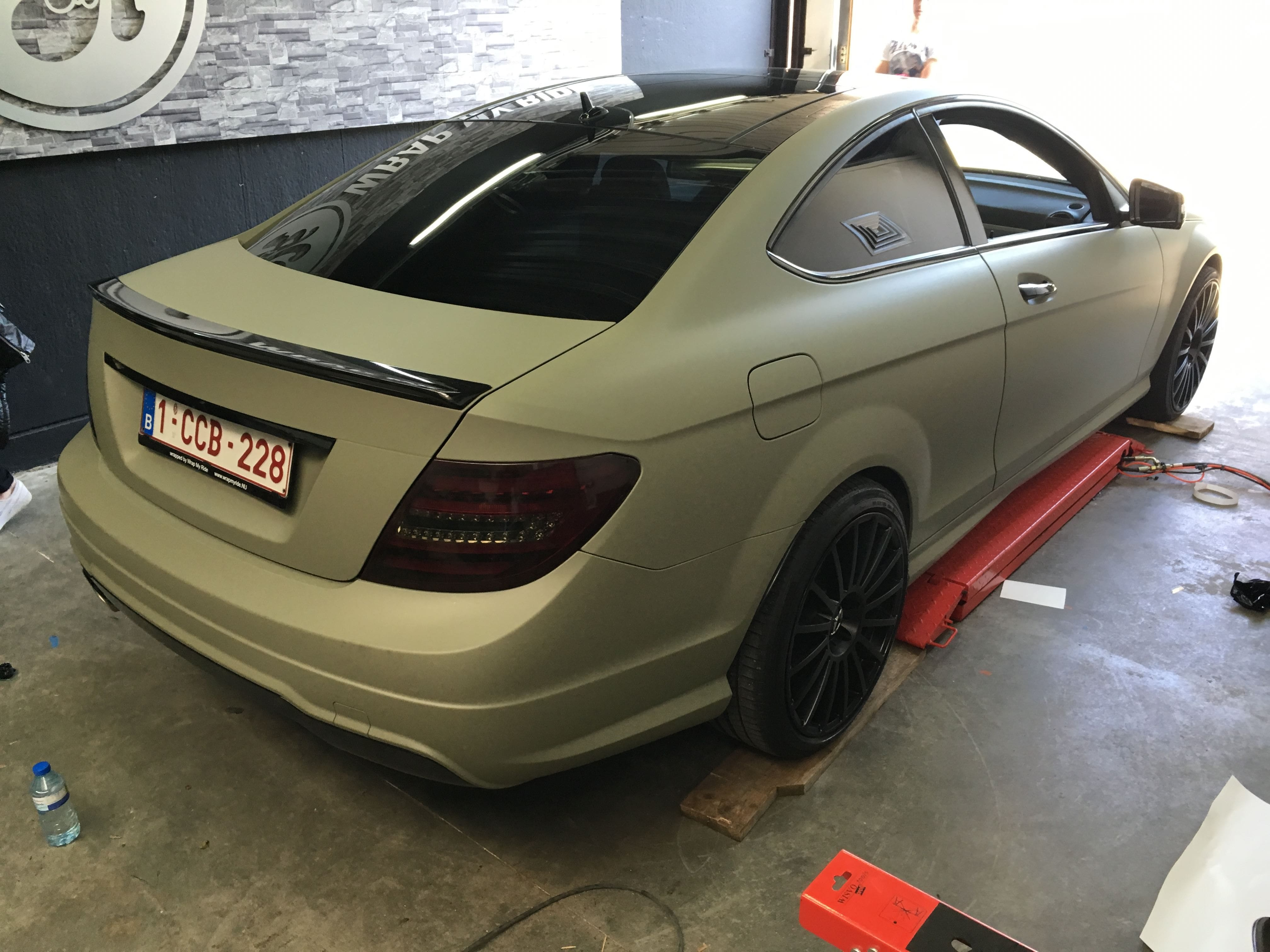 Mercedes C-Coupe matte khaki green, Carwrapping door Wrapmyride.nu Foto-nr:9177, ©2021