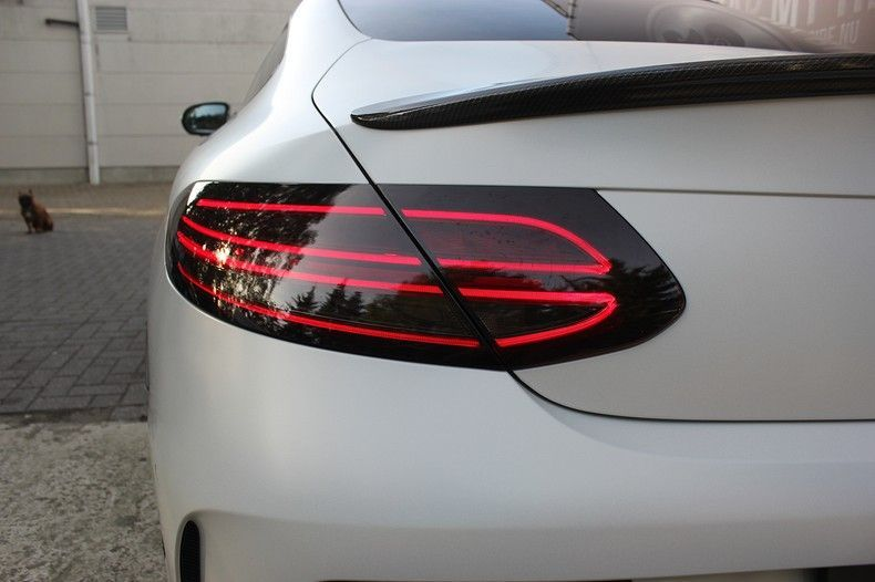 Mercedes C-coupe Satin ghost flip, Carwrapping door Wrapmyride.nu Foto-nr:11881, ©2021