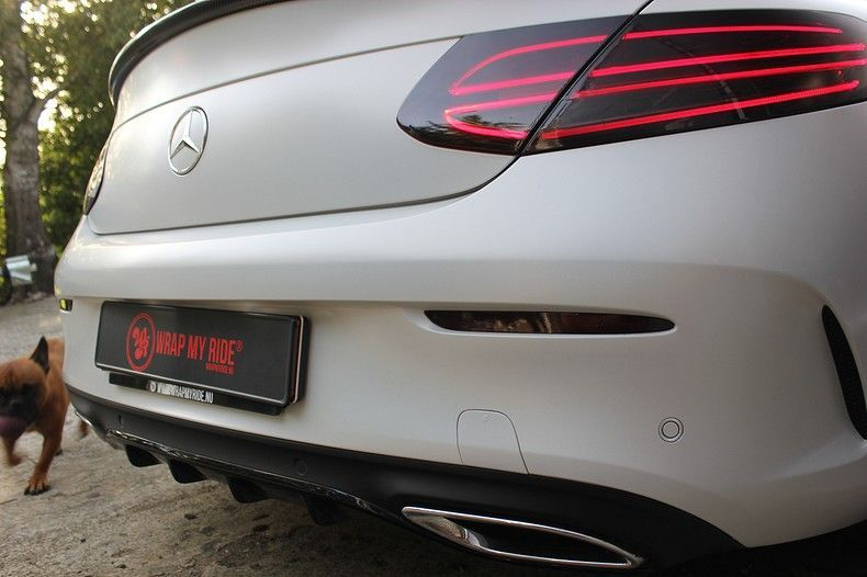 Mercedes C-coupe Satin ghost flip, Carwrapping door Wrapmyride.nu Foto-nr:11875, ©2021