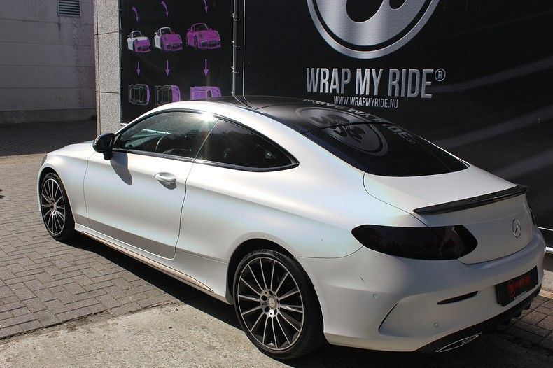 Mercedes C-coupe Satin ghost flip, Carwrapping door Wrapmyride.nu Foto-nr:11861, ©2021