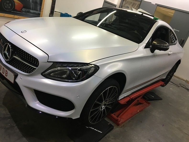 Mercedes C-coupe Satin ghost flip, Carwrapping door Wrapmyride.nu Foto-nr:11863, ©2021