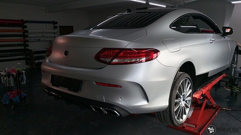 Mercedes C-coupe satin white aluminium, Carwrapping door Wrapmyride.nu Foto-nr:12702, ©2020