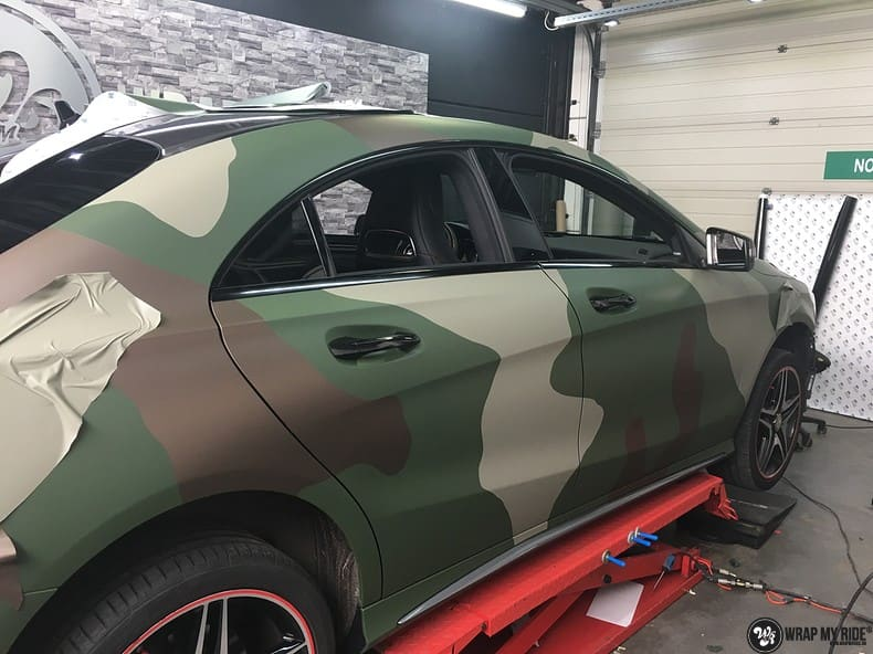 Mercedes CLA custom Camo wrap, Carwrapping door Wrapmyride.nu Foto-nr:10049, ©2021