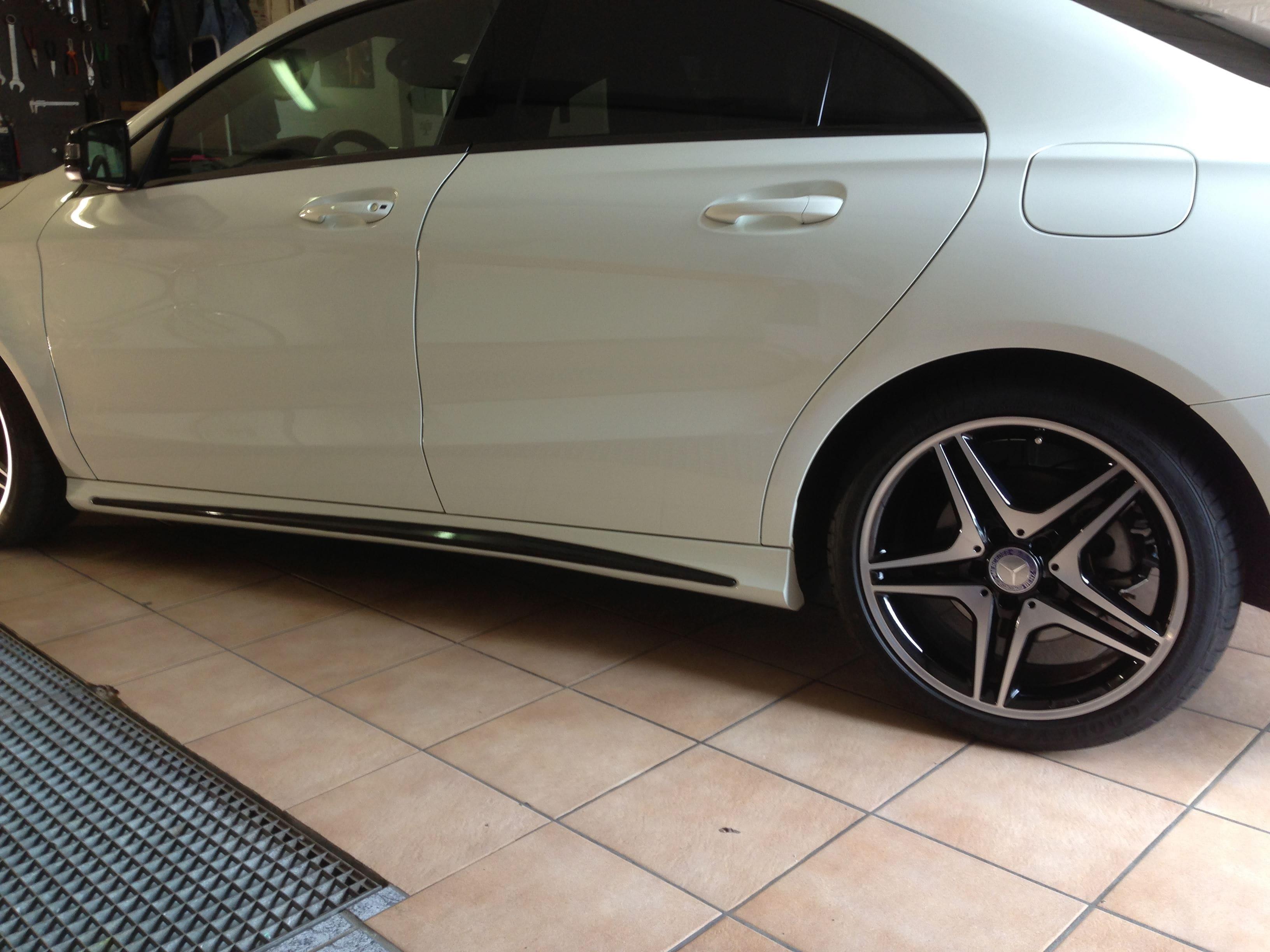 Mercedes CLA in Witte Wrap met Zwarte Accenten, Carwrapping door Wrapmyride.nu Foto-nr:6086, ©2020