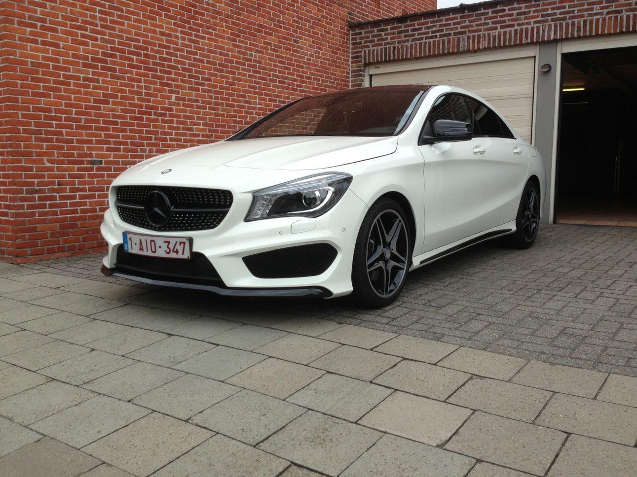 Mercedes CLA in Witte Wrap met Zwarte Accenten, Carwrapping door Wrapmyride.nu Foto-nr:6087, ©2018