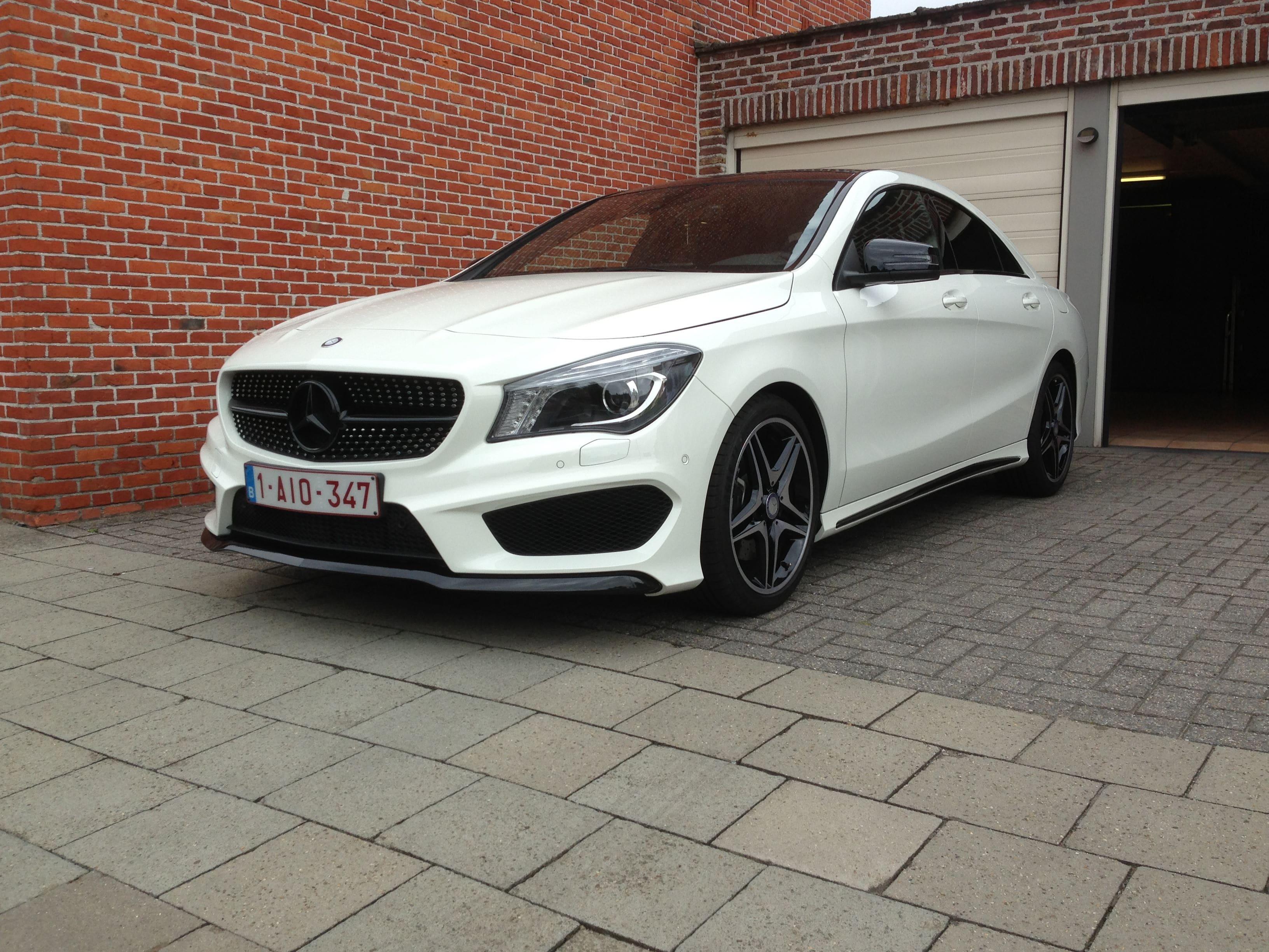 Mercedes CLA in Witte Wrap met Zwarte Accenten, Carwrapping door Wrapmyride.nu Foto-nr:6087, ©2020