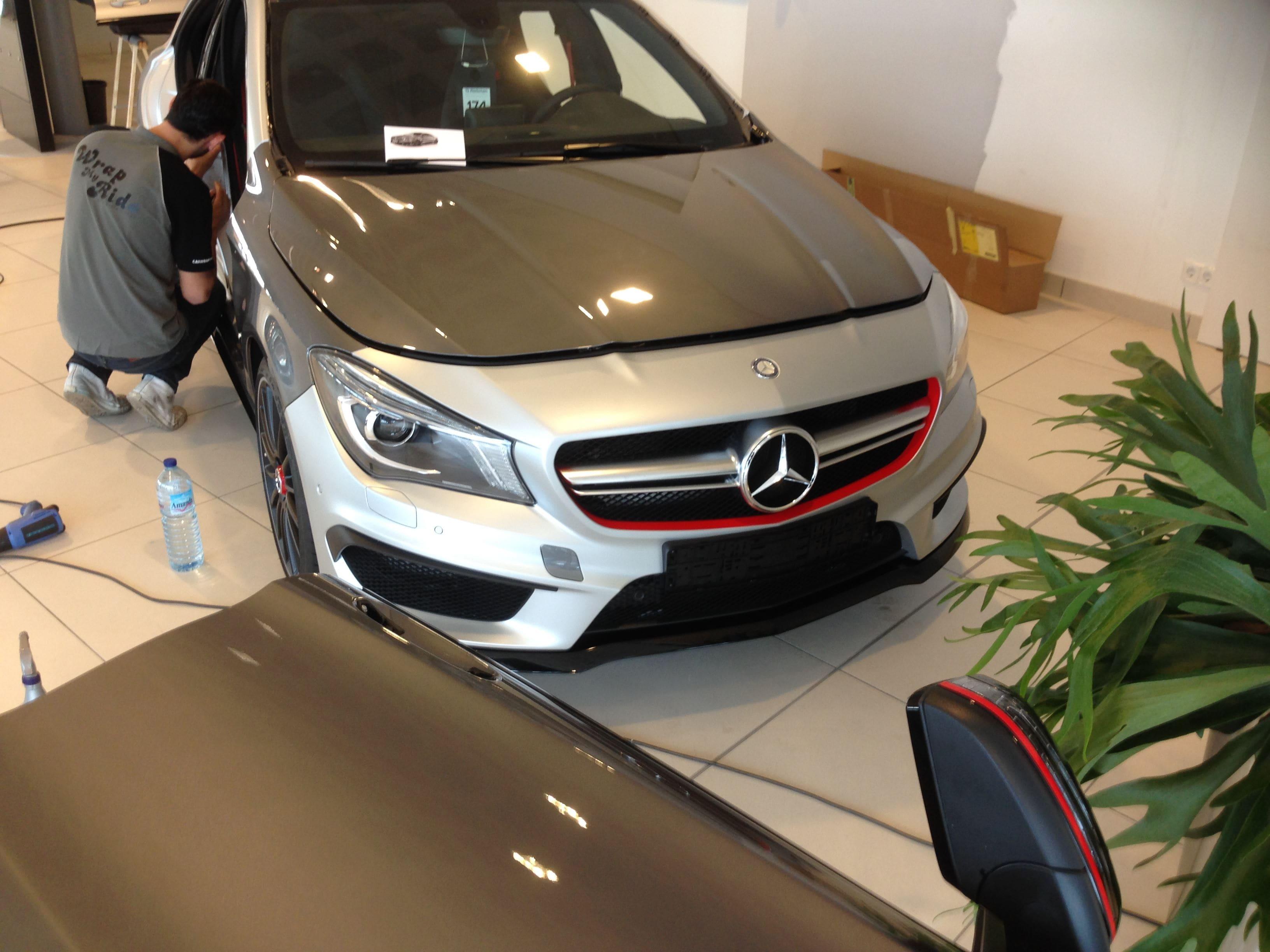 Mercedes CLA met een Satin White Aluminium Full Wrap met Rode Accenten, Carwrapping door Wrapmyride.nu Foto-nr:6102, ©2020