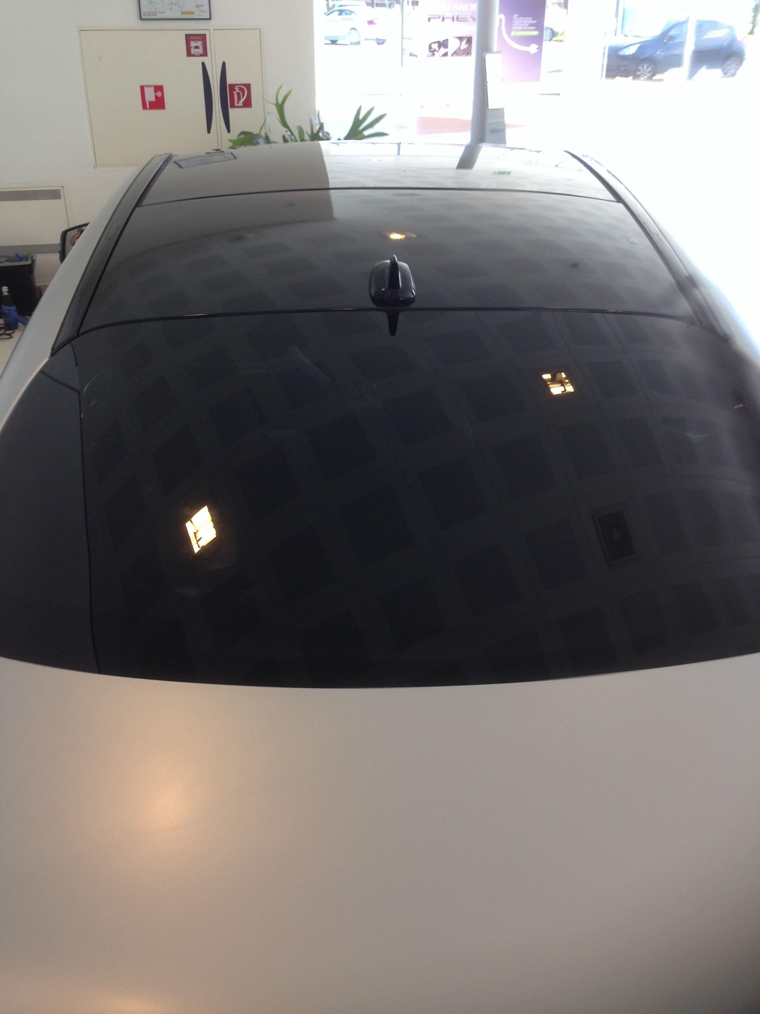 Mercedes CLA met een Satin White Aluminium Full Wrap met Rode Accenten, Carwrapping door Wrapmyride.nu Foto-nr:6111, ©2020