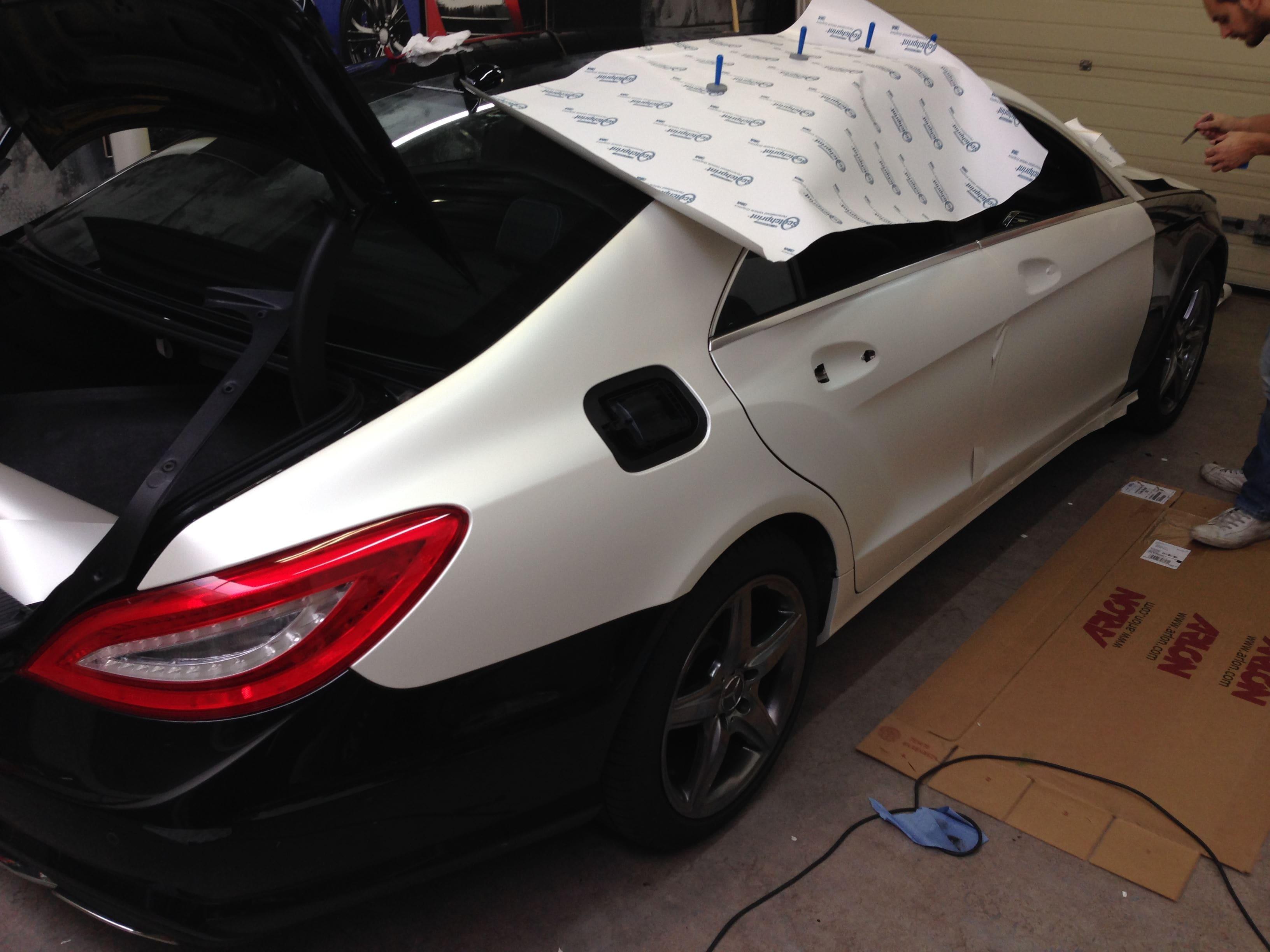 Mercedes CLS met White Satin Pearl Wrap, Carwrapping door Wrapmyride.nu Foto-nr:6177, ©2021