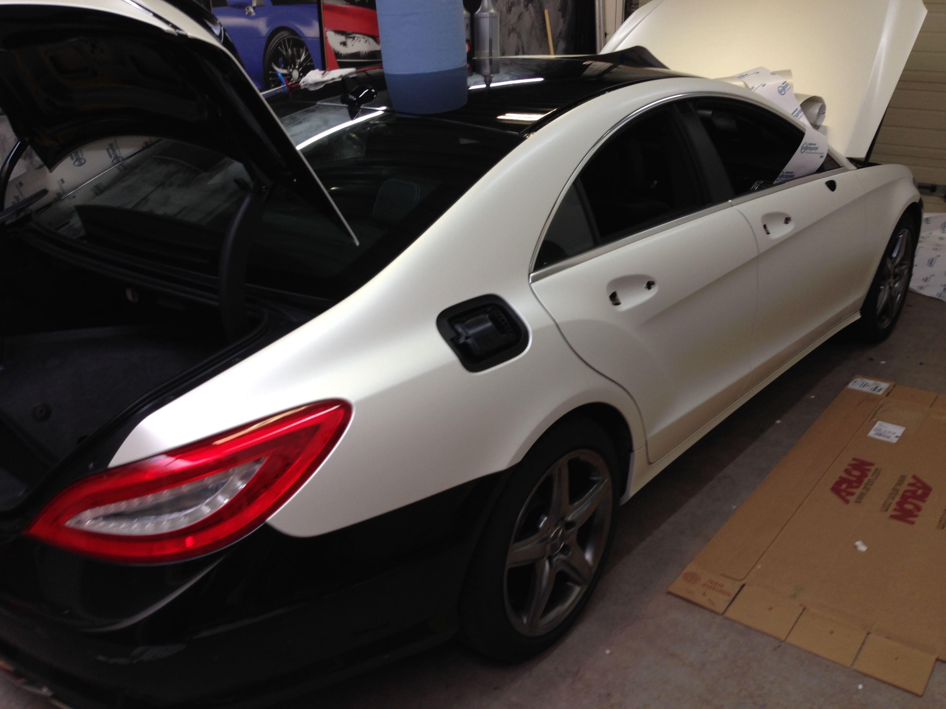 Mercedes CLS met White Satin Pearl Wrap, Carwrapping door Wrapmyride.nu Foto-nr:6178, ©2021