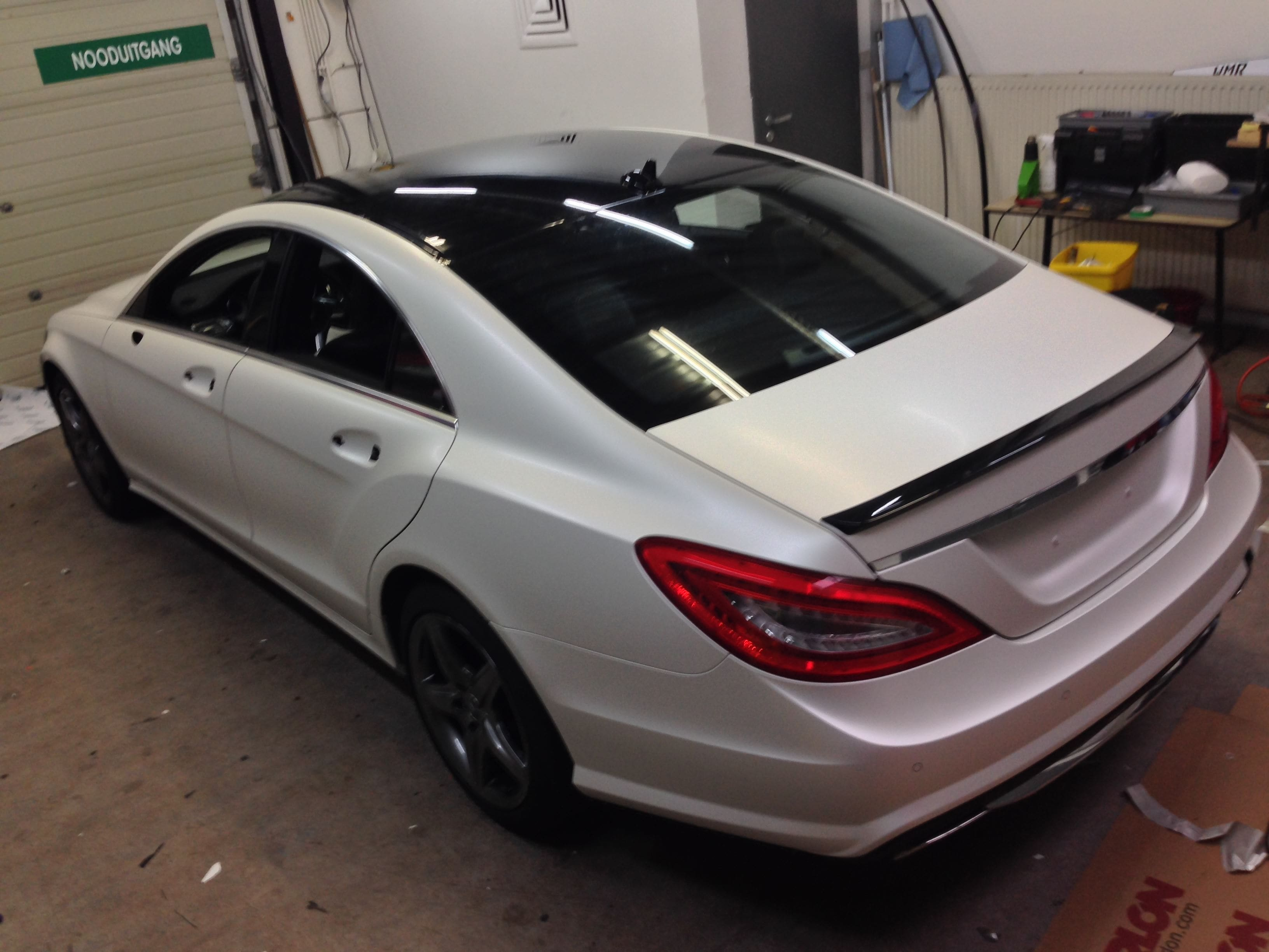 Mercedes CLS met White Satin Pearl Wrap, Carwrapping door Wrapmyride.nu Foto-nr:6182, ©2020