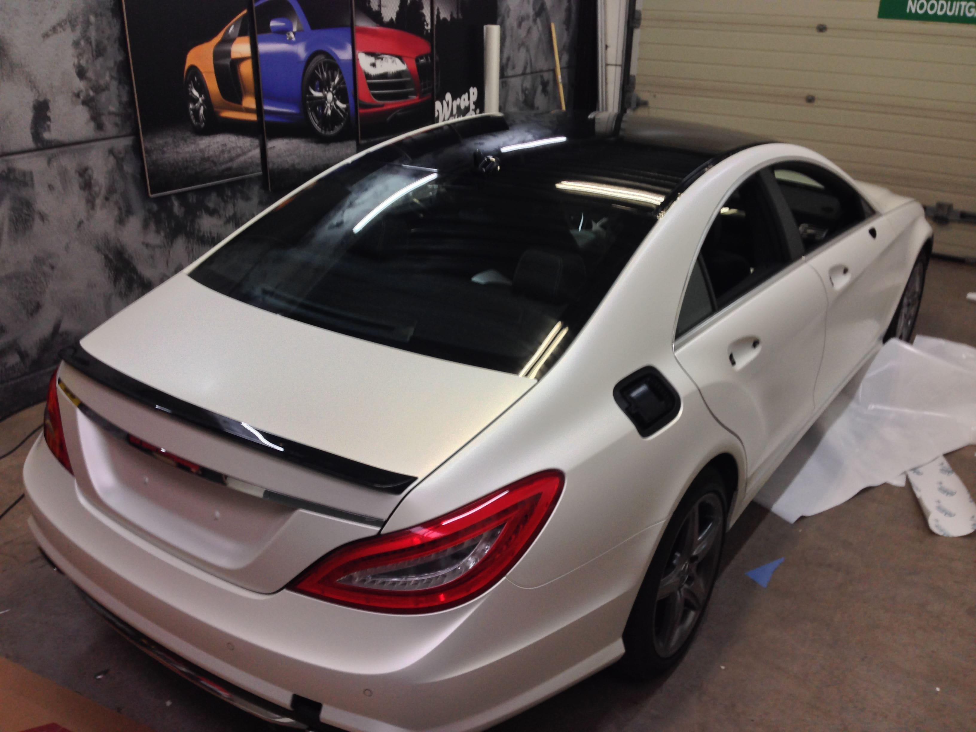 Mercedes CLS met White Satin Pearl Wrap, Carwrapping door Wrapmyride.nu Foto-nr:6183, ©2021