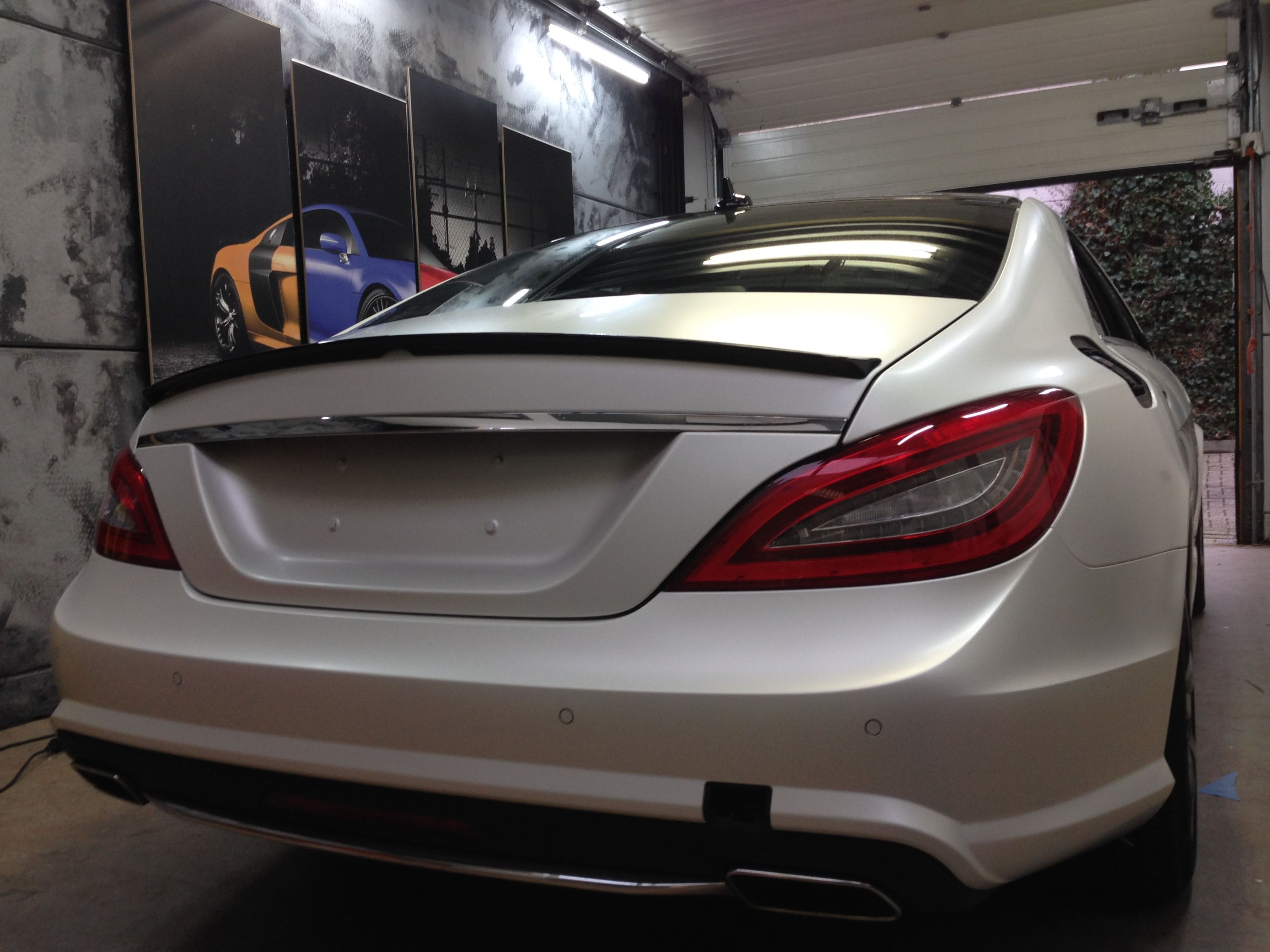 Mercedes CLS met White Satin Pearl Wrap, Carwrapping door Wrapmyride.nu Foto-nr:6185, ©2020