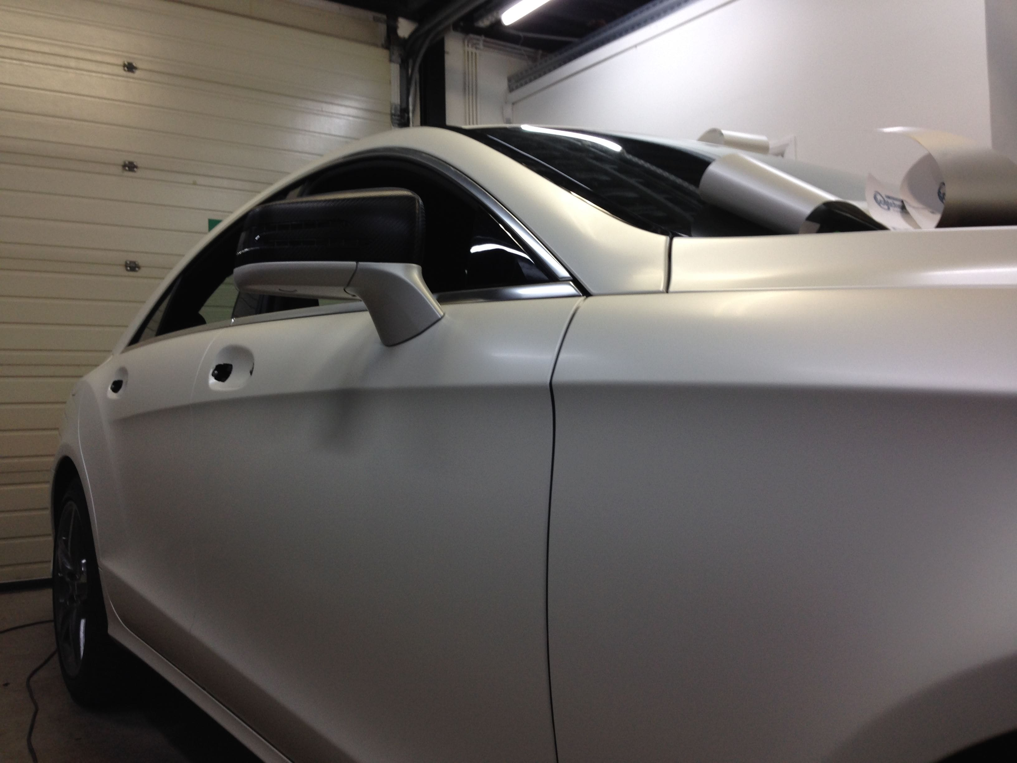 Mercedes CLS met White Satin Pearl Wrap, Carwrapping door Wrapmyride.nu Foto-nr:6190, ©2020