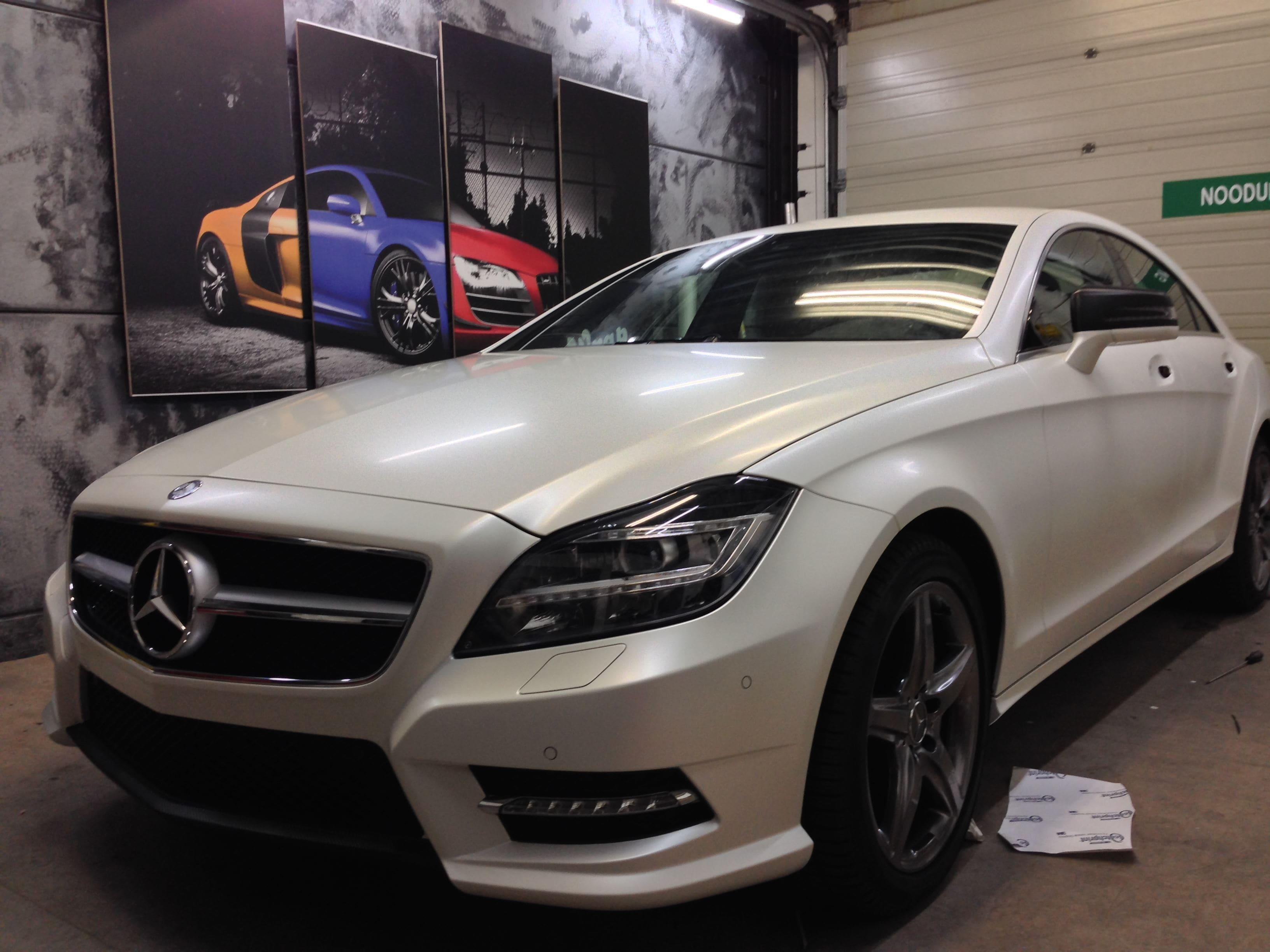 Mercedes CLS met White Satin Pearl Wrap, Carwrapping door Wrapmyride.nu Foto-nr:6197, ©2021