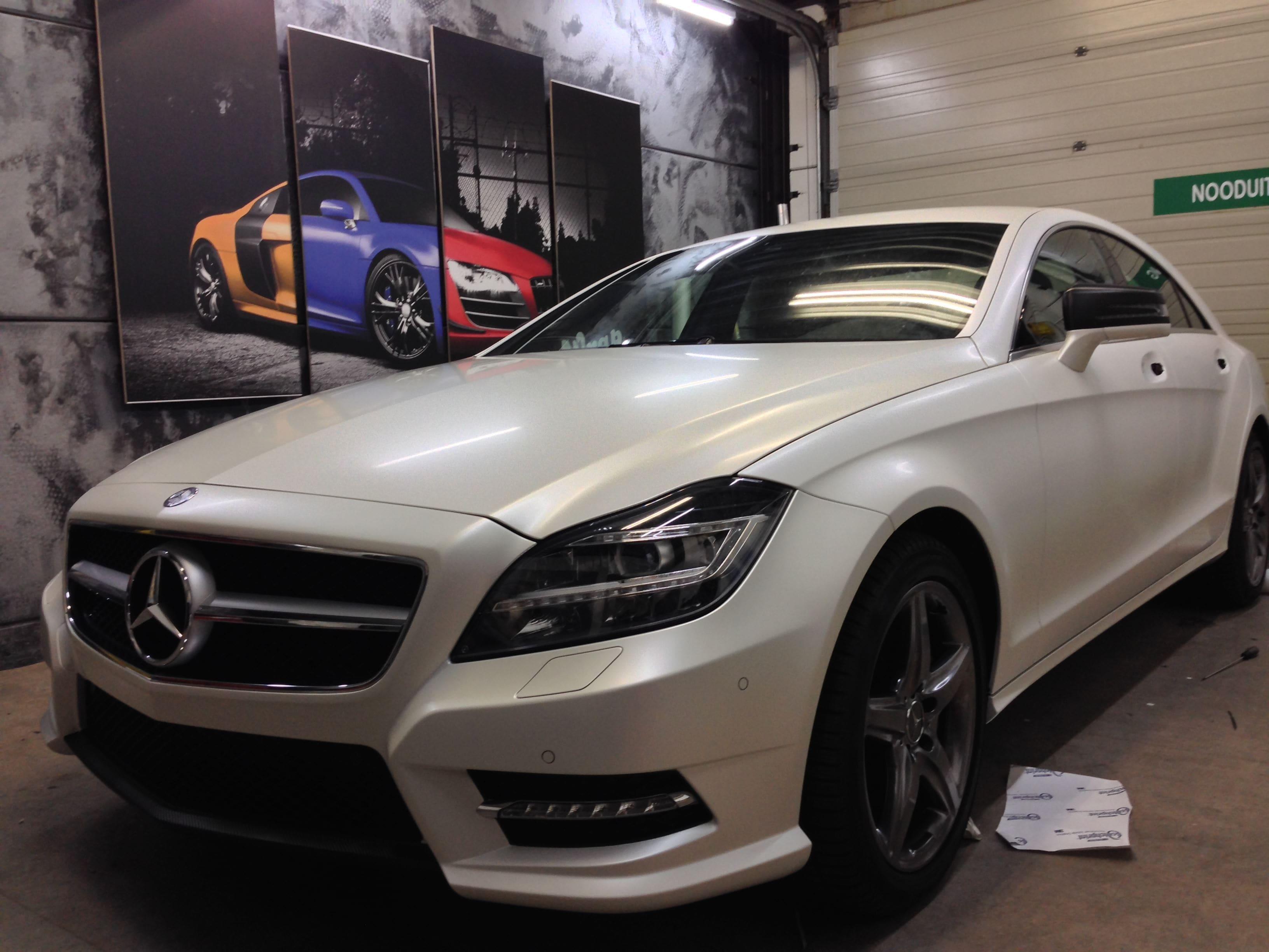 Mercedes CLS met White Satin Pearl Wrap, Carwrapping door Wrapmyride.nu Foto-nr:6198, ©2021