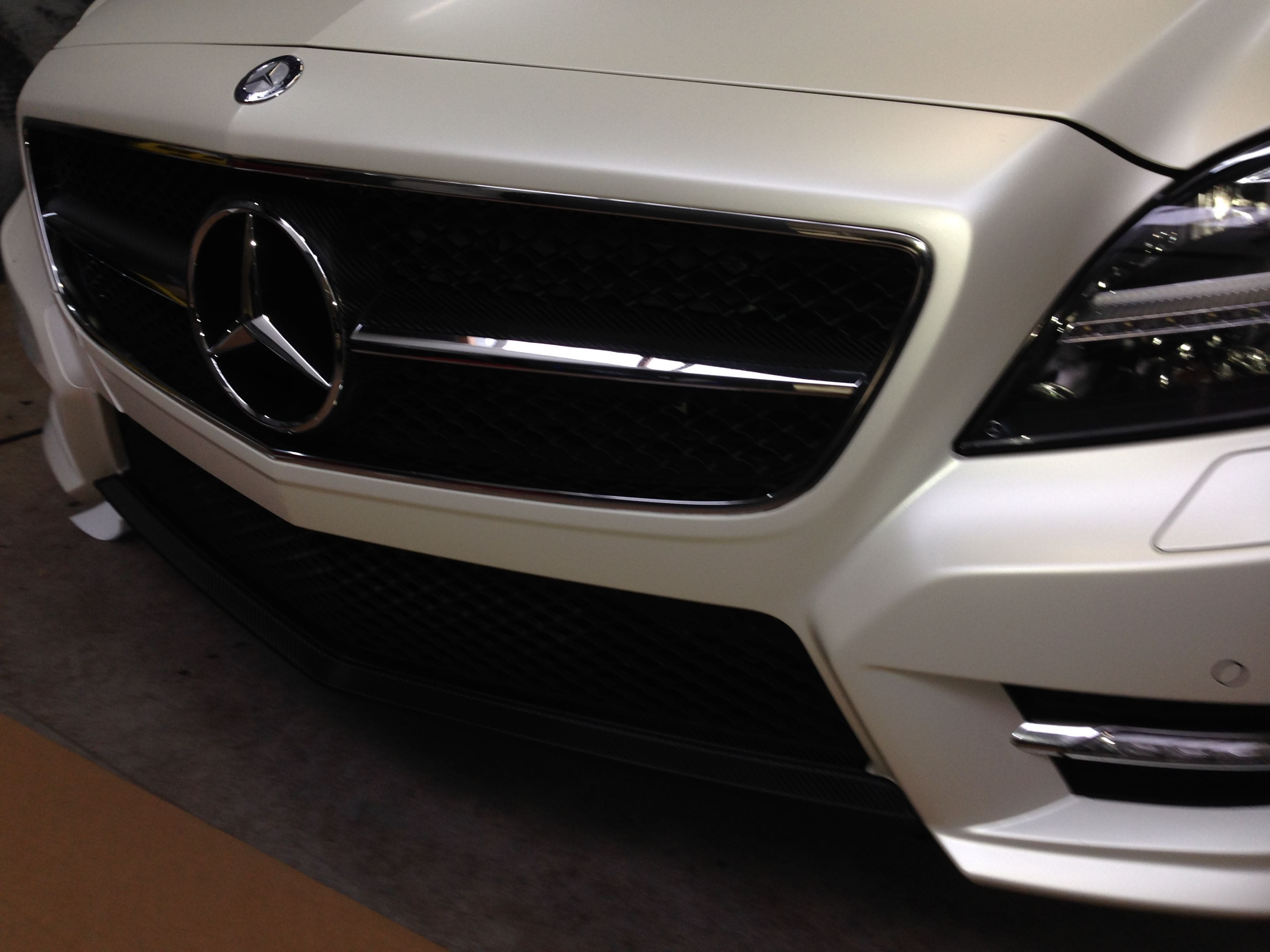 Mercedes CLS met White Satin Pearl Wrap, Carwrapping door Wrapmyride.nu Foto-nr:6199, ©2020