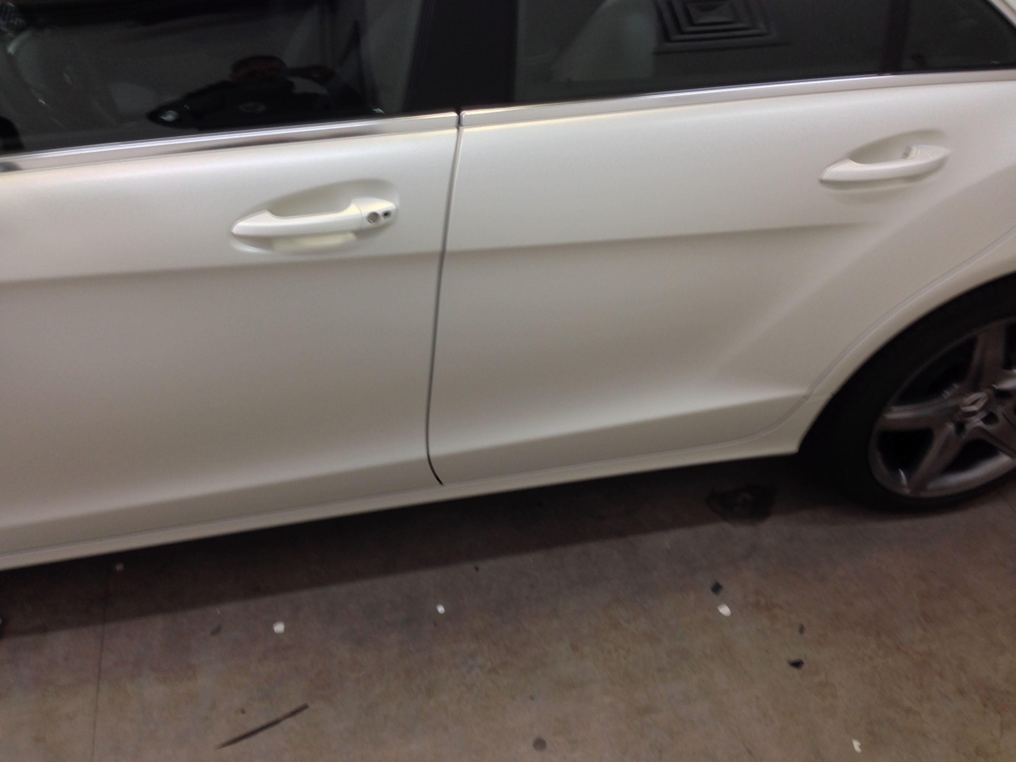 Mercedes CLS met White Satin Pearl Wrap, Carwrapping door Wrapmyride.nu Foto-nr:6201, ©2021