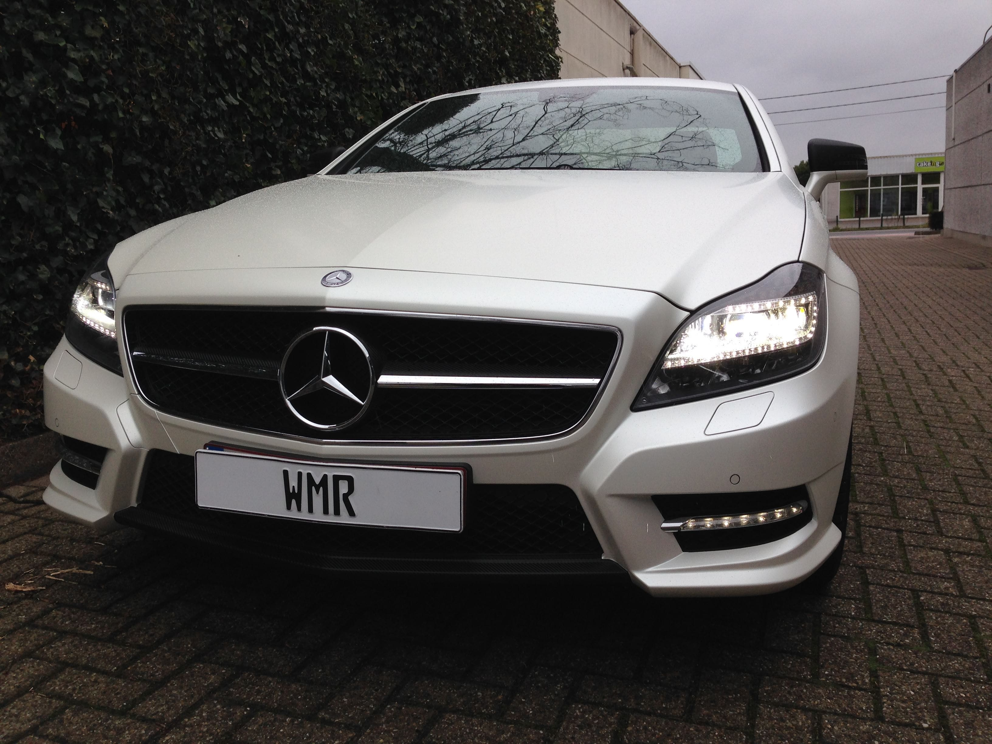Mercedes CLS met White Satin Pearl Wrap, Carwrapping door Wrapmyride.nu Foto-nr:6203, ©2020