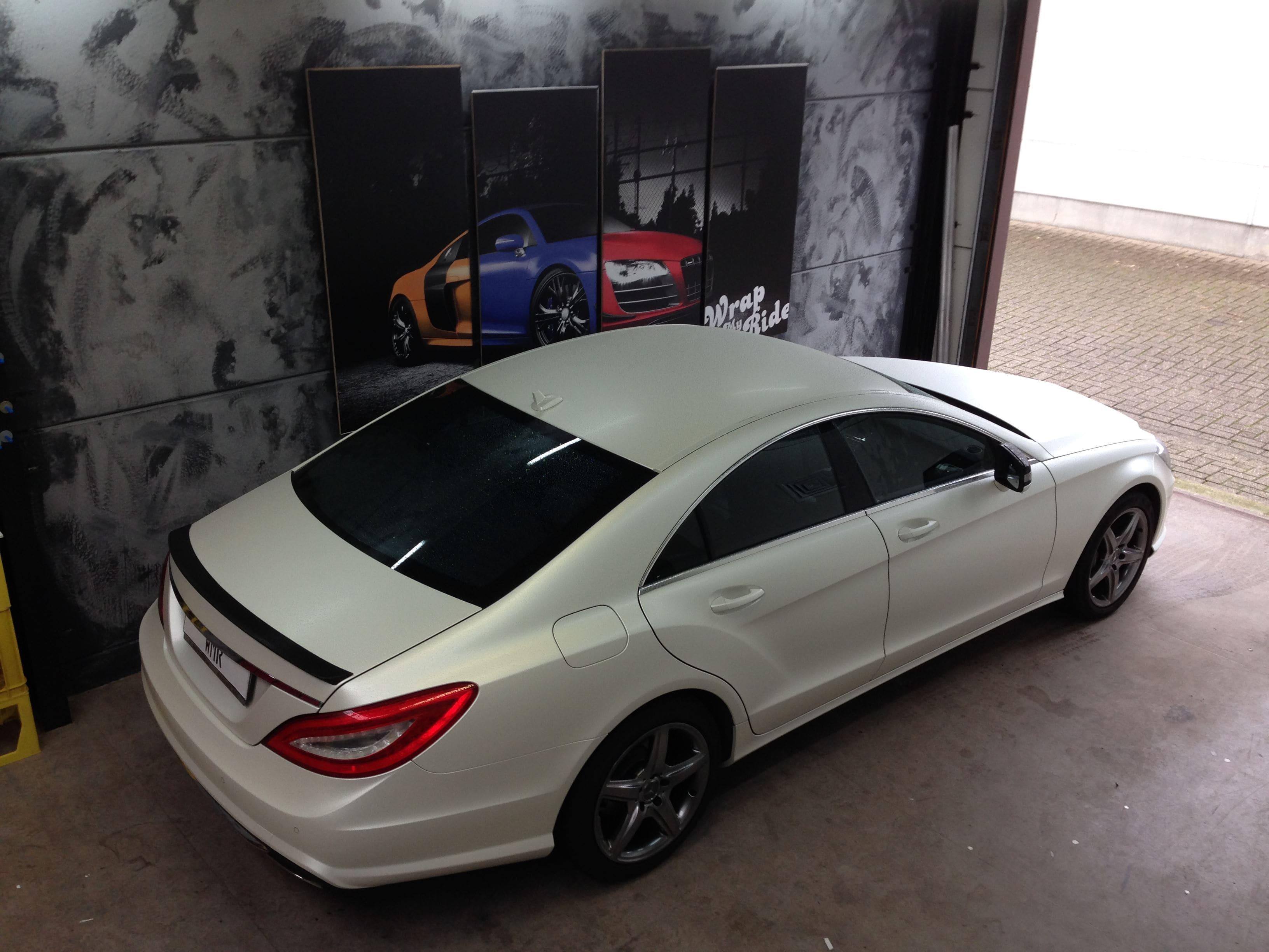 Mercedes CLS met White Satin Pearl Wrap, Carwrapping door Wrapmyride.nu Foto-nr:6218, ©2021