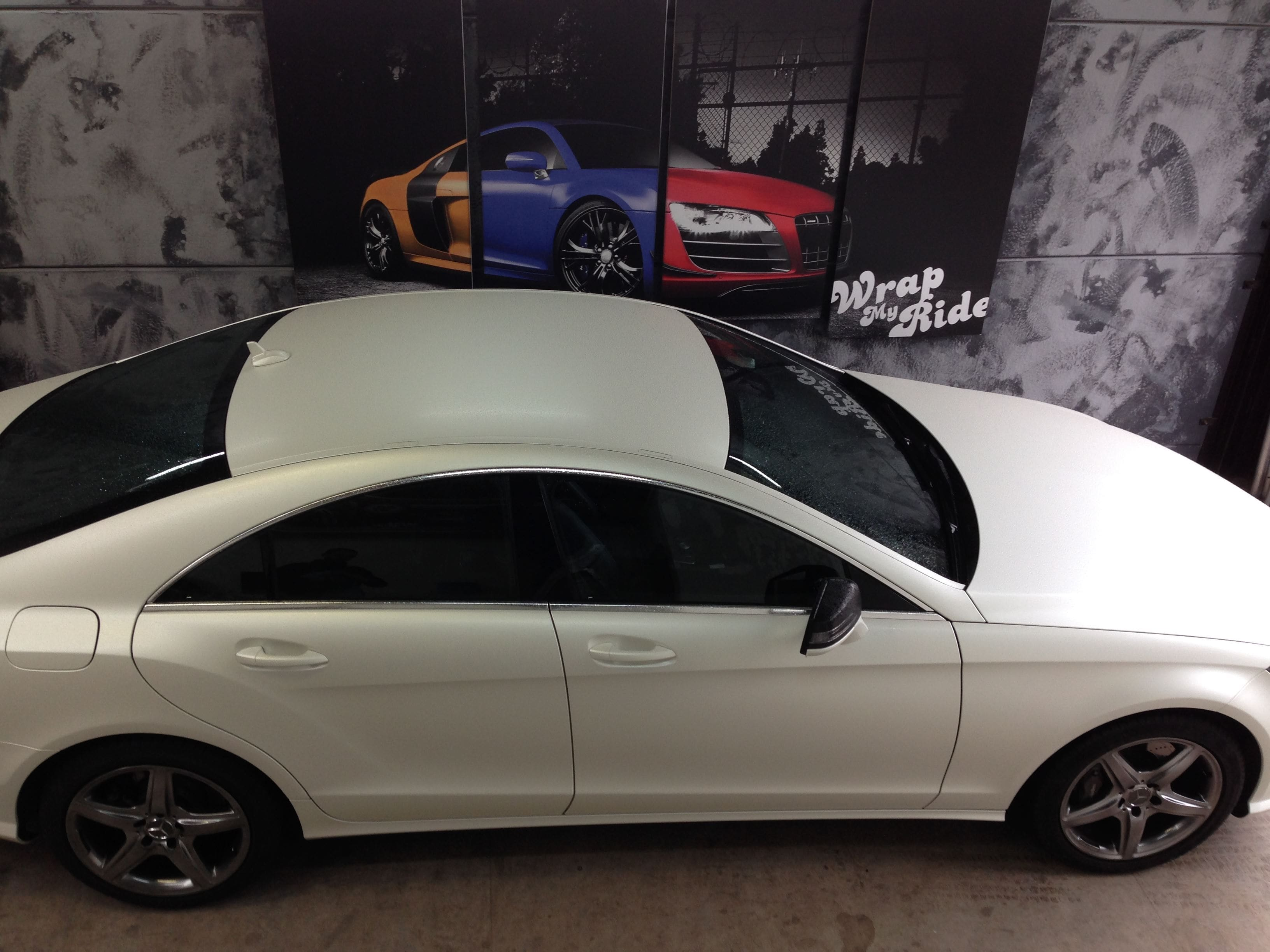 Mercedes CLS met White Satin Pearl Wrap, Carwrapping door Wrapmyride.nu Foto-nr:6219, ©2020