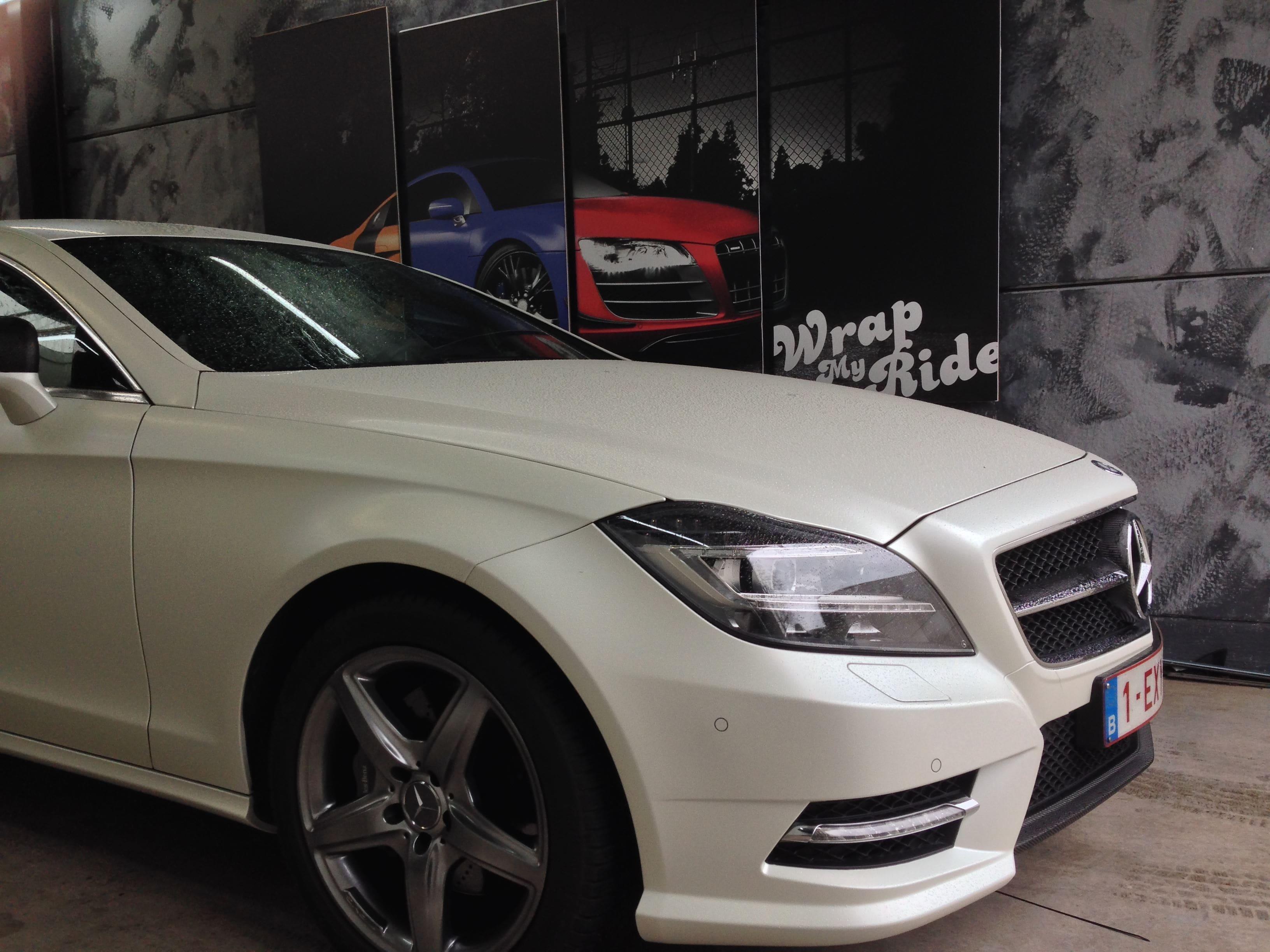 Mercedes CLS met White Satin Pearl Wrap, Carwrapping door Wrapmyride.nu Foto-nr:6220, ©2021