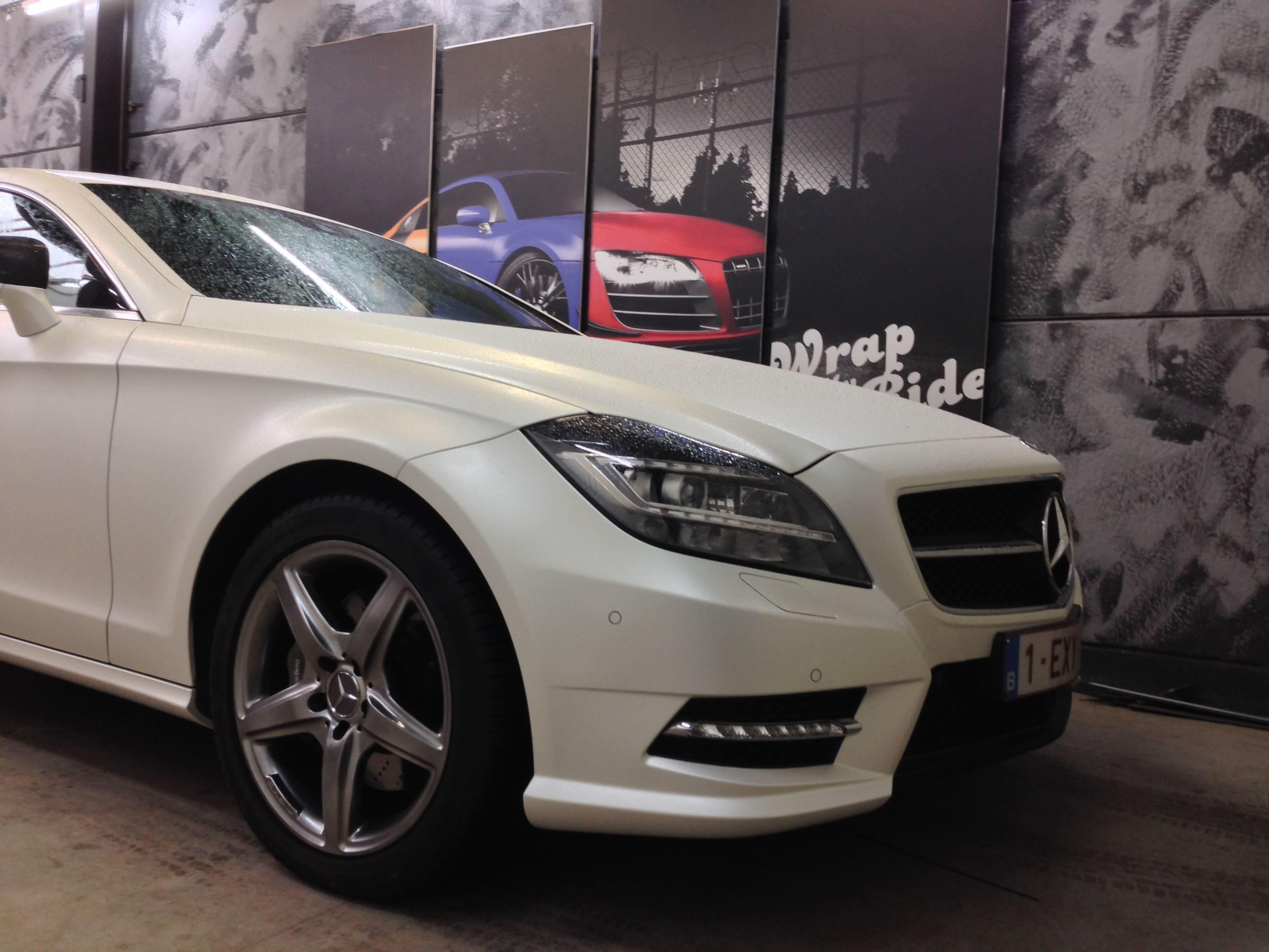 Mercedes CLS met White Satin Pearl Wrap, Carwrapping door Wrapmyride.nu Foto-nr:6221, ©2021
