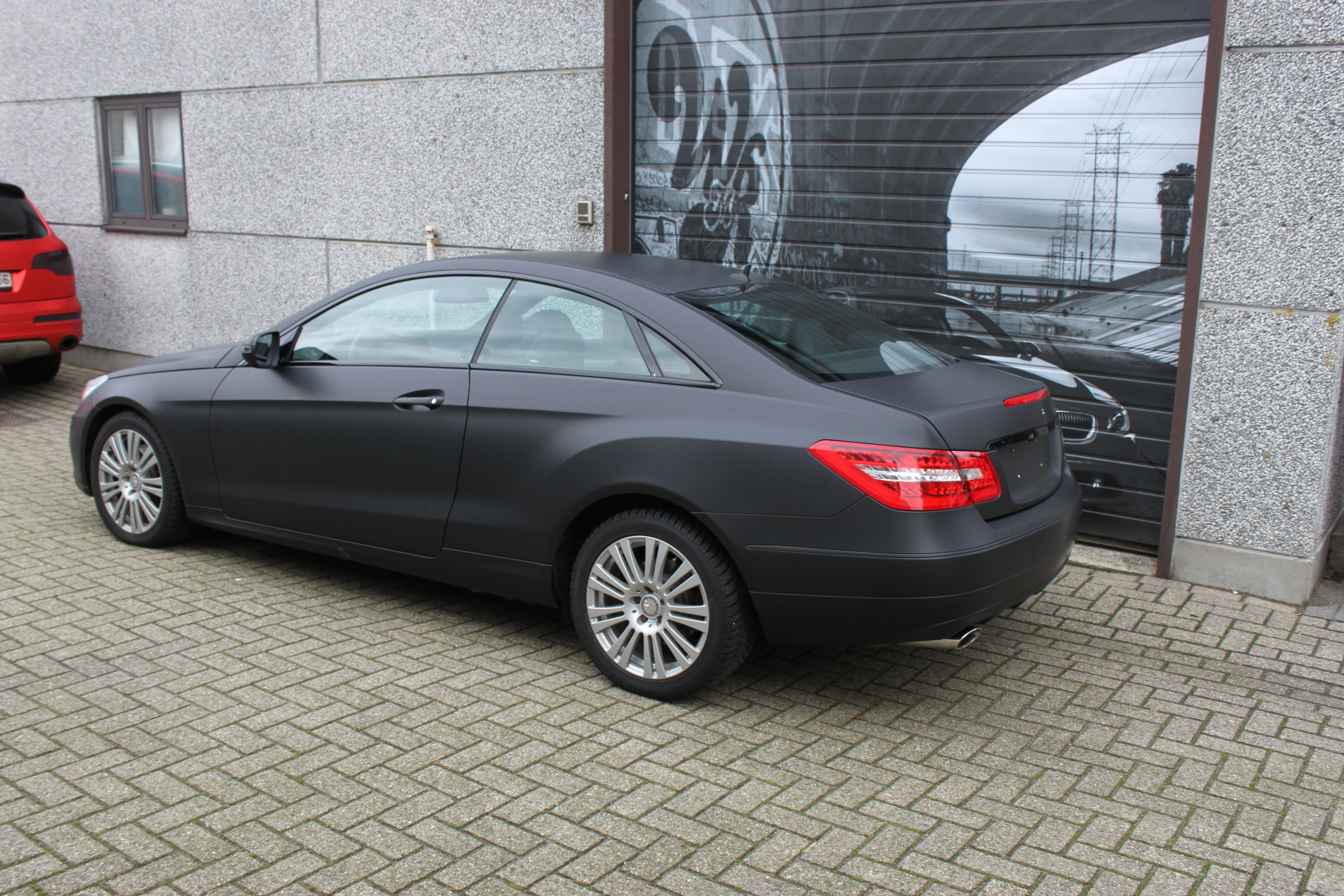 Mercedes E-coupe mat zwart, Carwrapping door Wrapmyride.nu Foto-nr:9326, ©2020