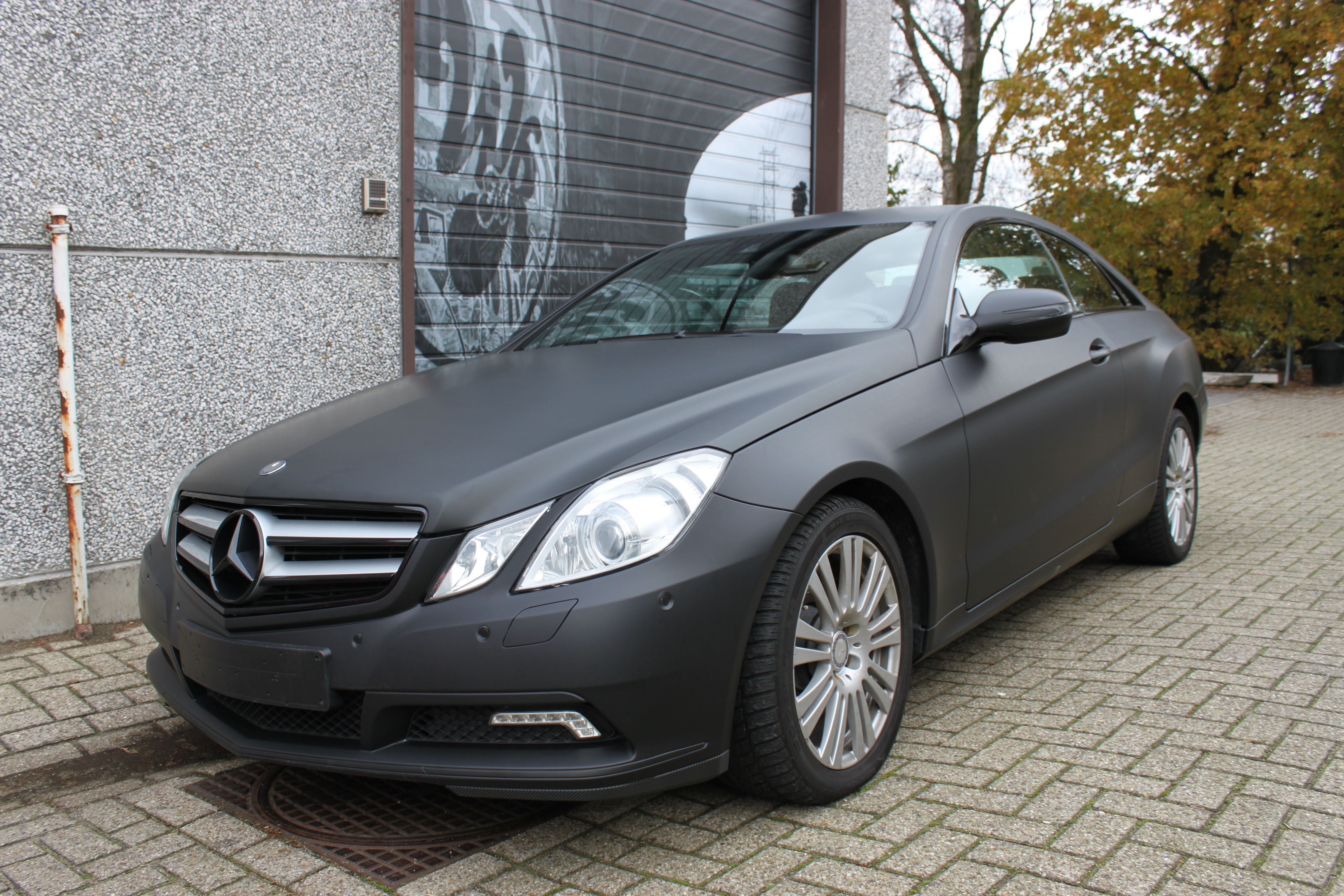 Mercedes E-coupe mat zwart, Carwrapping door Wrapmyride.nu Foto-nr:9327, ©2020