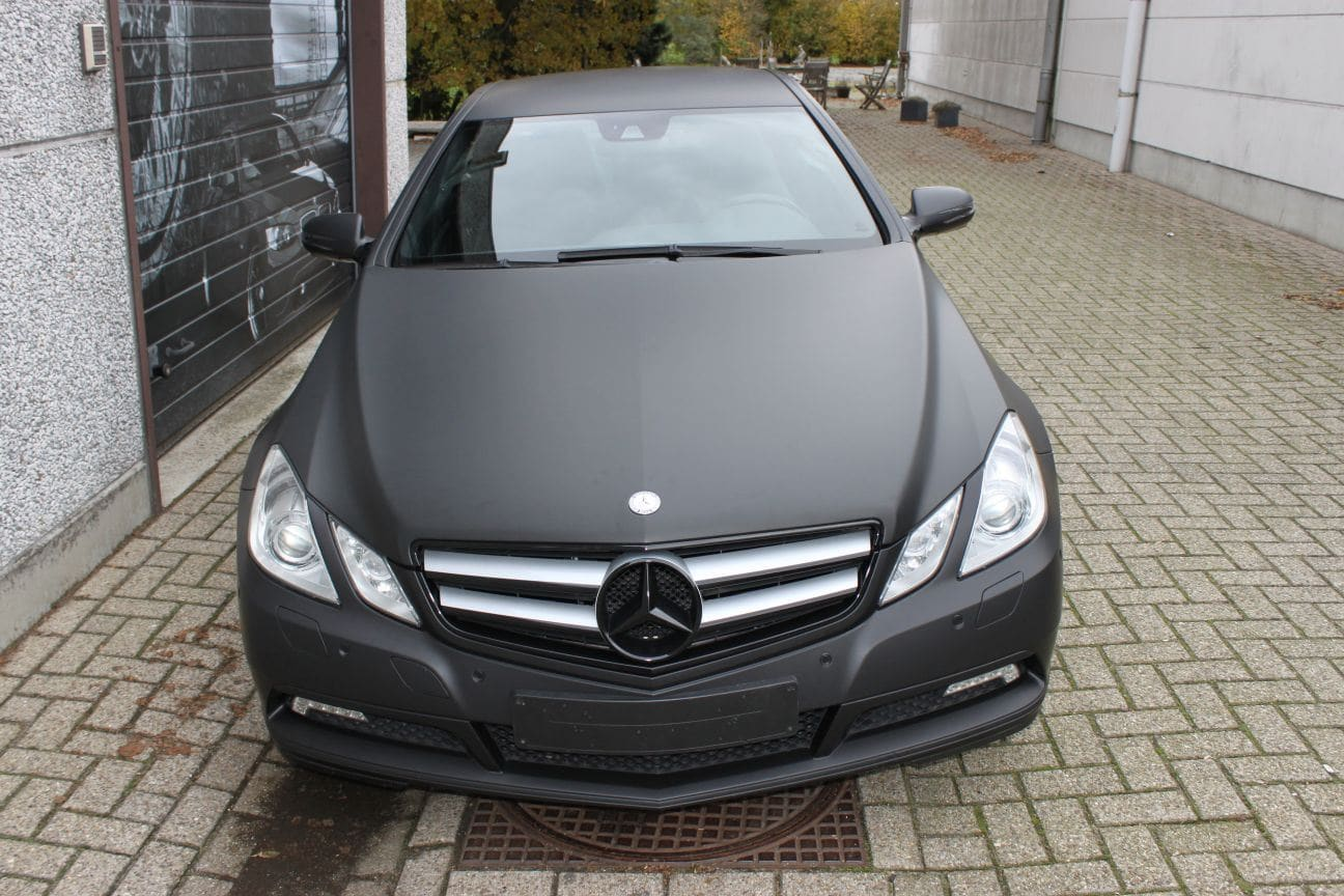 Mercedes E-coupe mat zwart, Carwrapping door Wrapmyride.nu Foto-nr:9330, ©2018