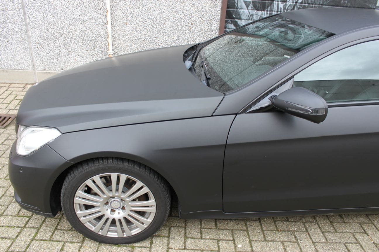 Mercedes E-coupe mat zwart, Carwrapping door Wrapmyride.nu Foto-nr:9331, ©2018