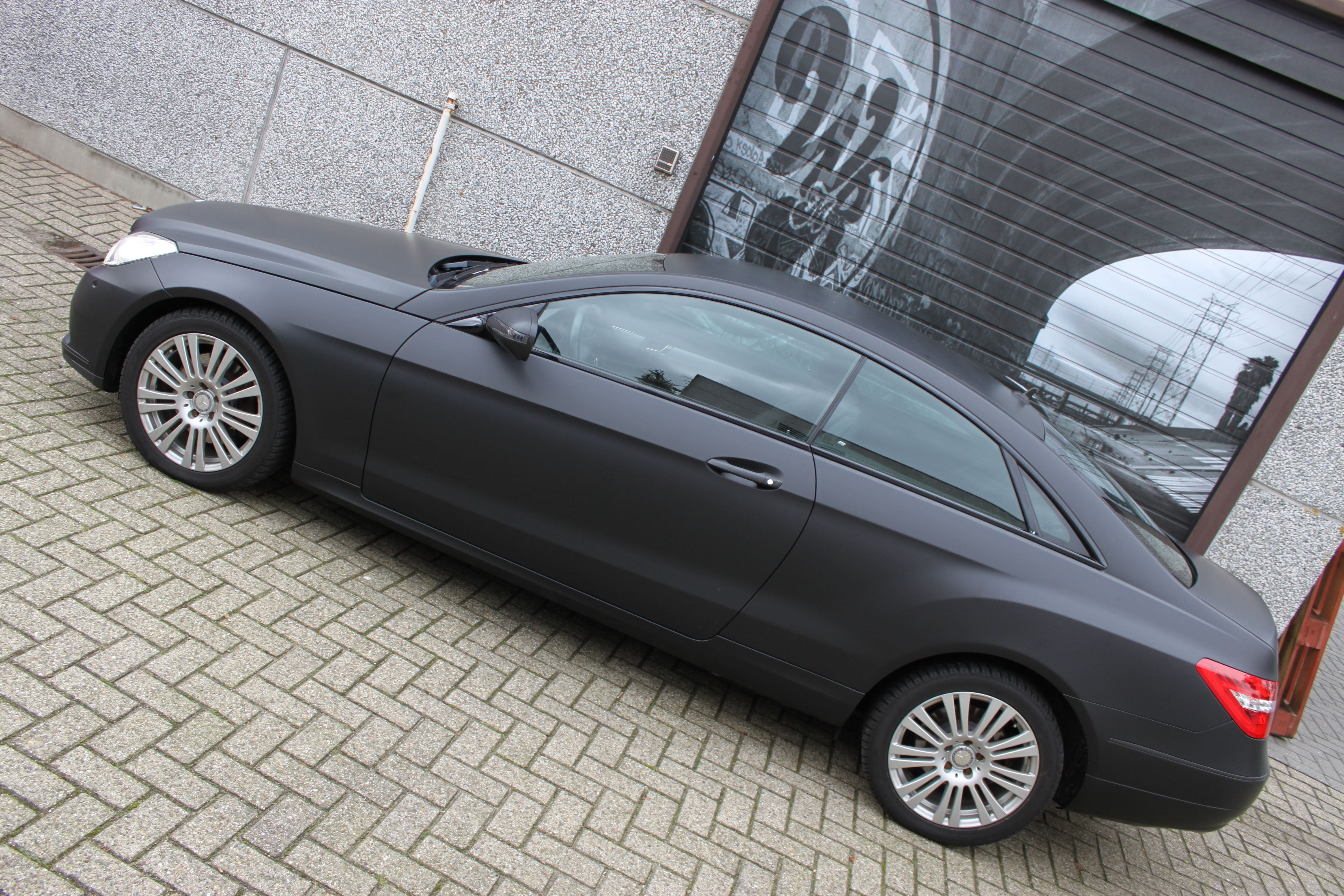 Mercedes E-coupe mat zwart, Carwrapping door Wrapmyride.nu Foto-nr:9342, ©2020