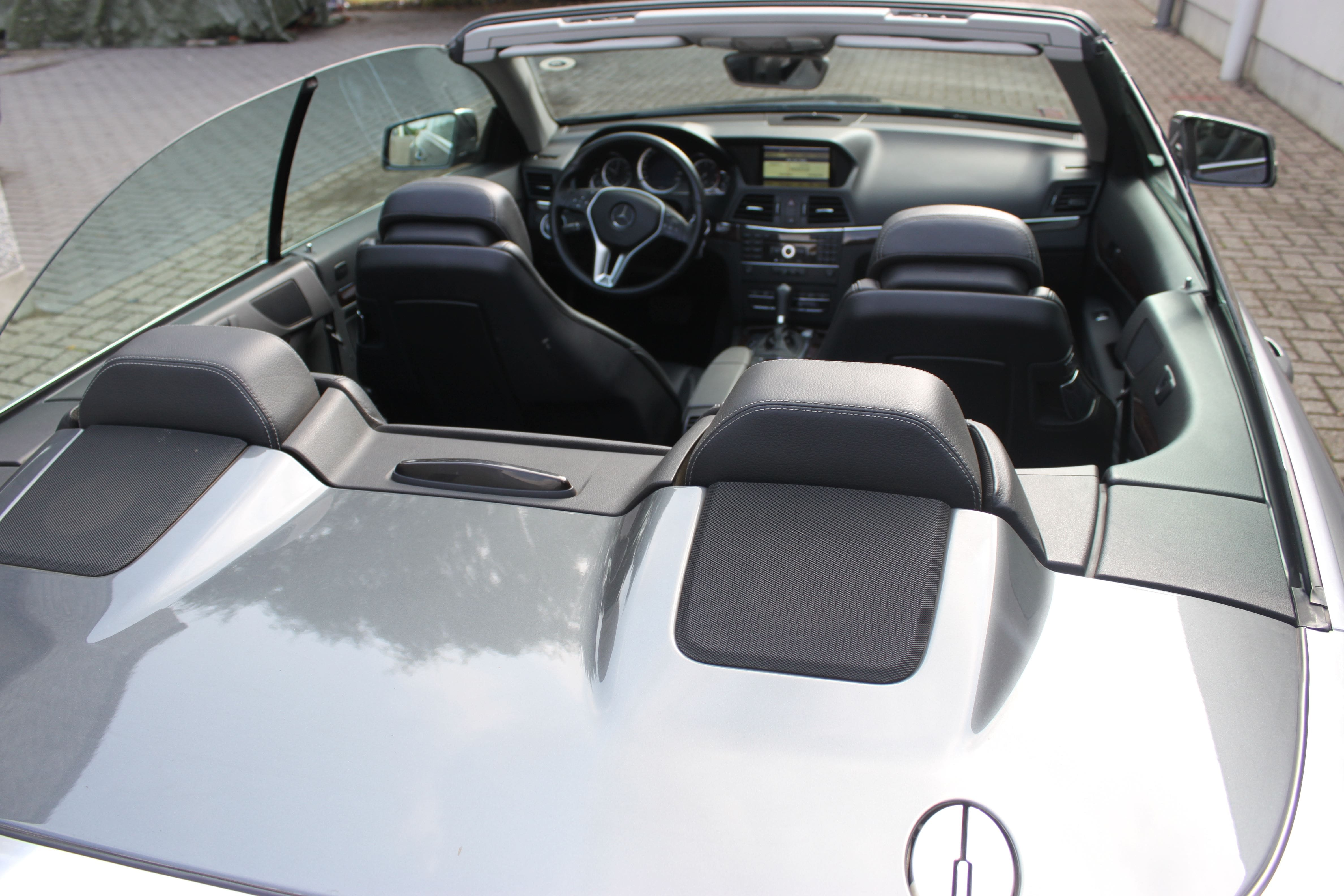 Mercedes E-Klasse Cabrio met Gunpowder Wrap, Carwrapping door Wrapmyride.nu Foto-nr:6245, ©2020