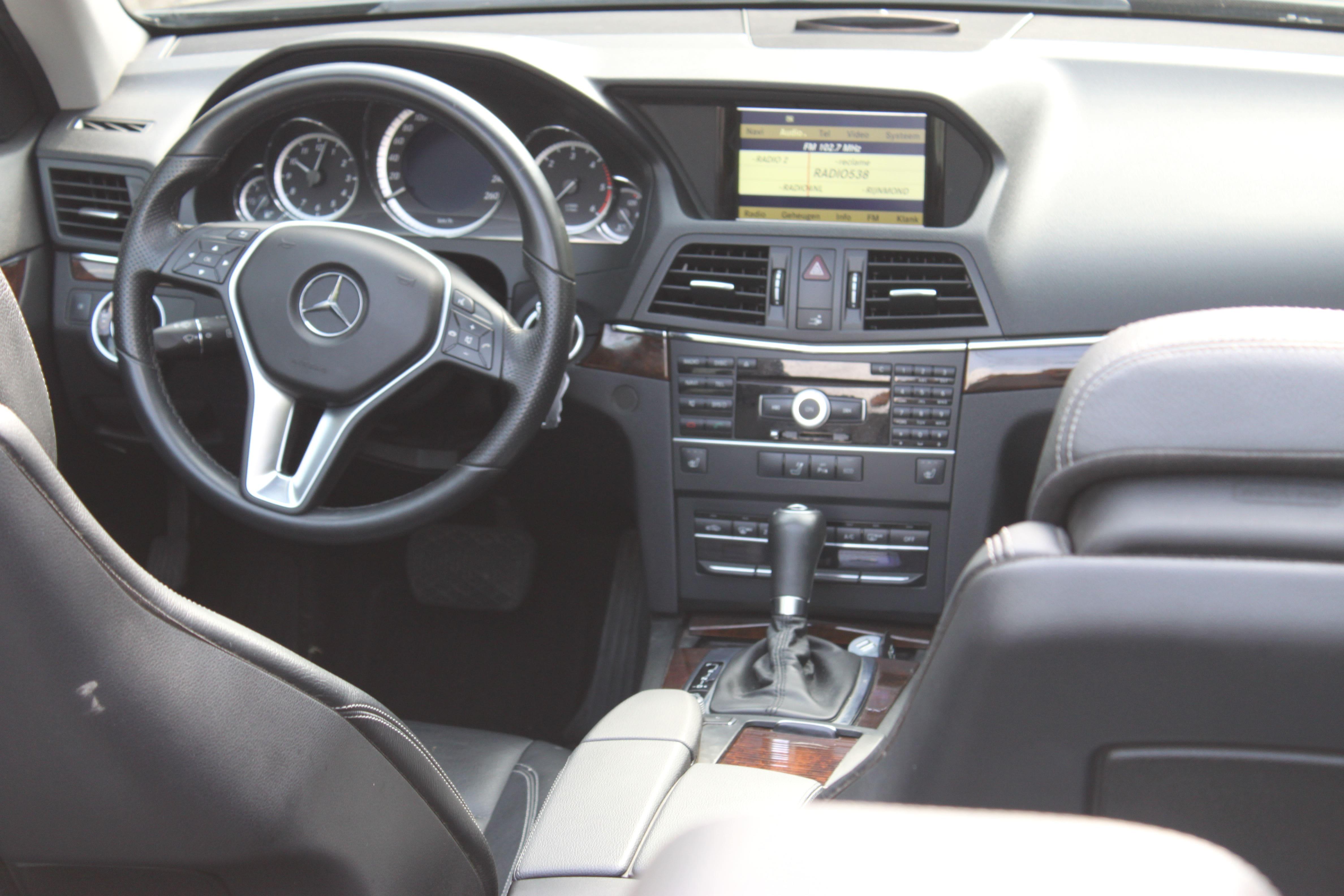 Mercedes E-Klasse Cabrio met Gunpowder Wrap, Carwrapping door Wrapmyride.nu Foto-nr:6246, ©2020
