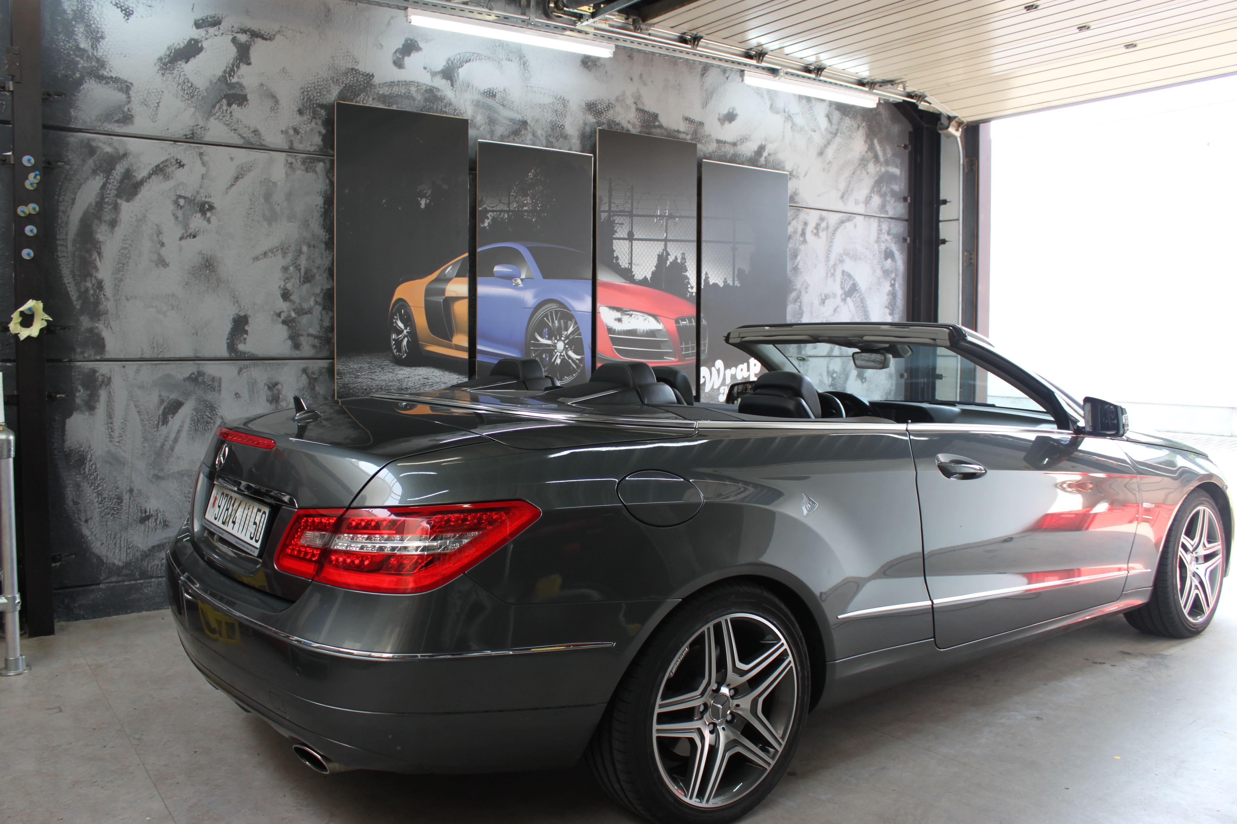 Mercedes E-Klasse Cabrio met Gunpowder Wrap, Carwrapping door Wrapmyride.nu Foto-nr:6247, ©2020