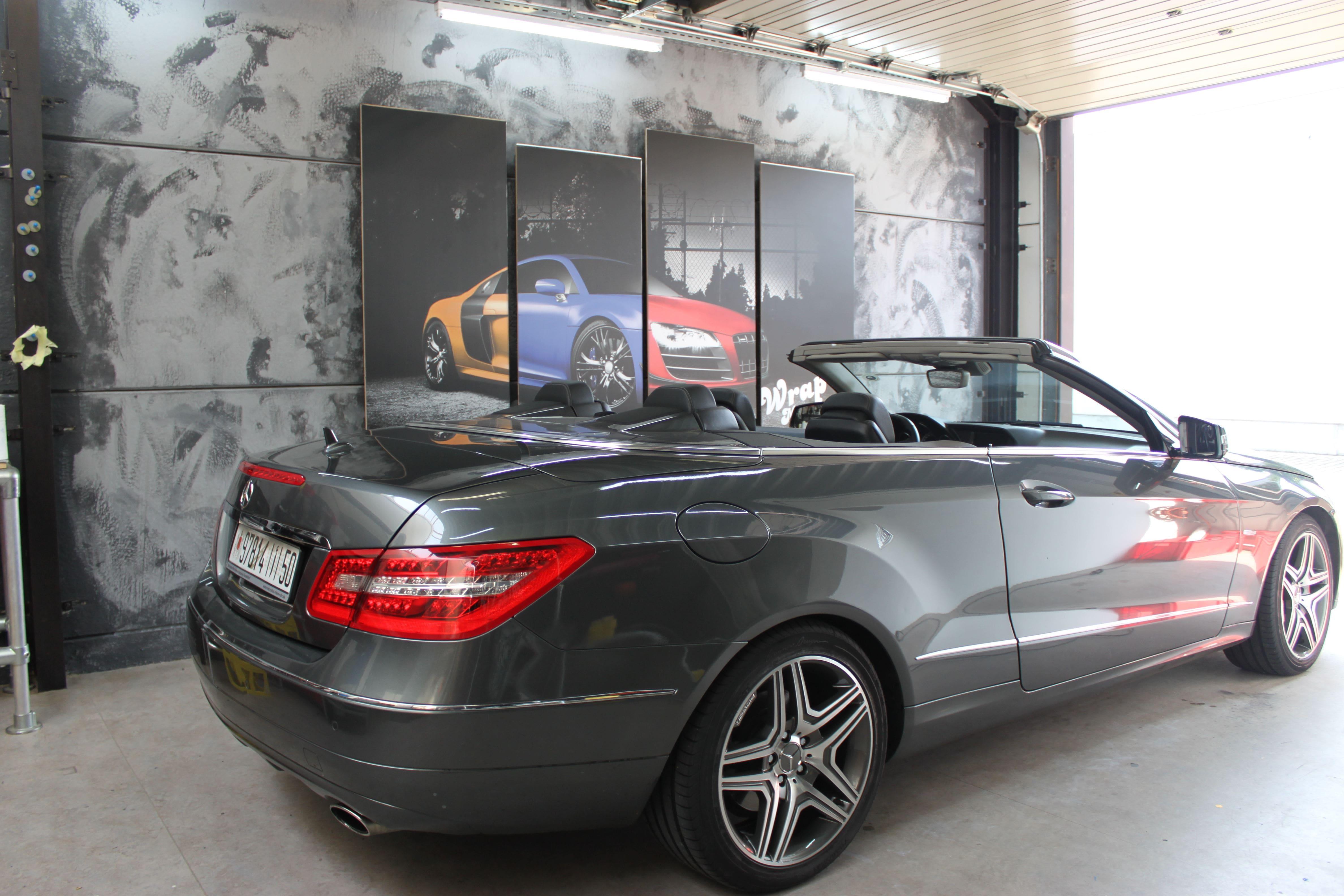 Mercedes E-Klasse Cabrio met Gunpowder Wrap, Carwrapping door Wrapmyride.nu Foto-nr:6248, ©2020