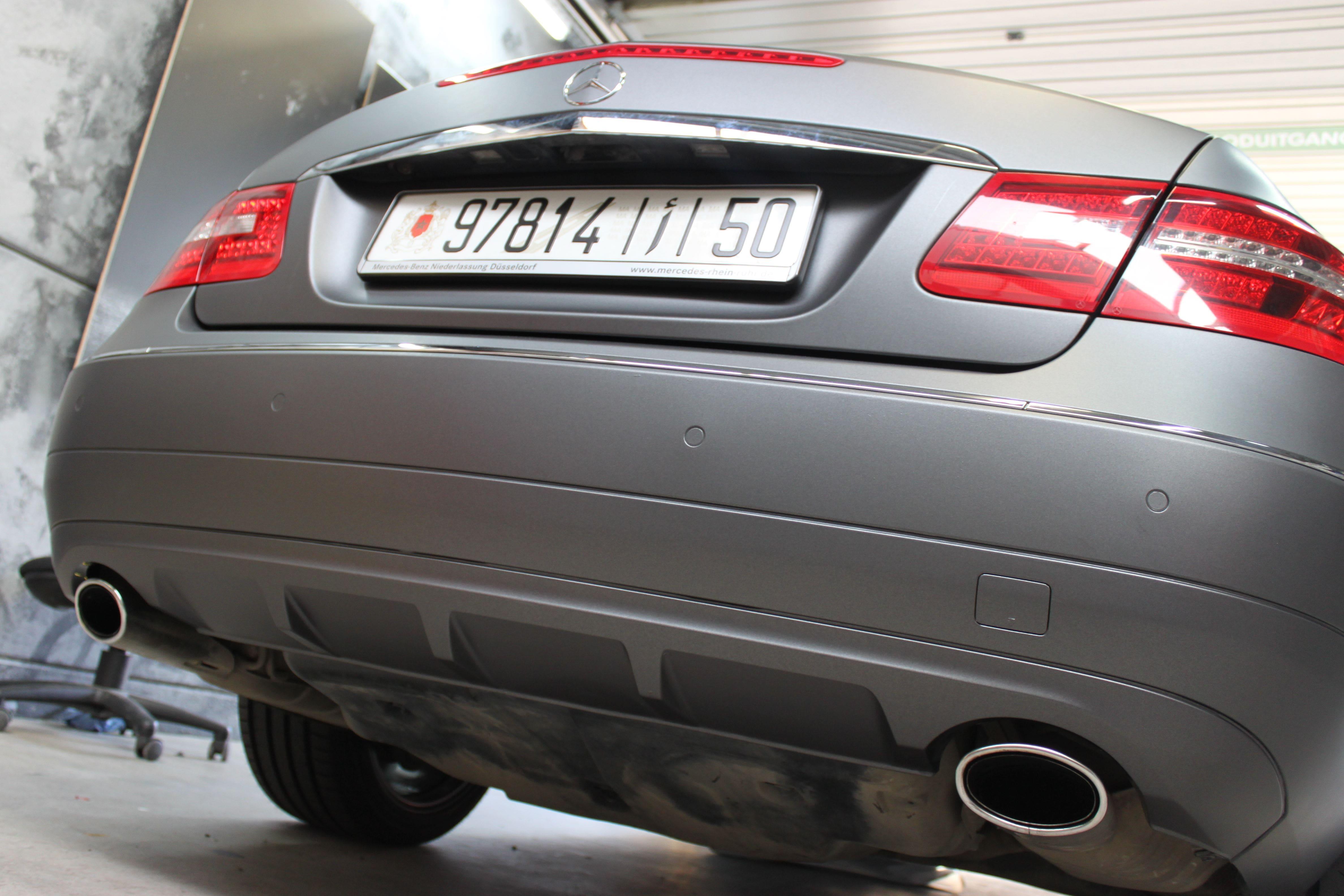 Mercedes E-Klasse Cabrio met Gunpowder Wrap, Carwrapping door Wrapmyride.nu Foto-nr:6254, ©2020