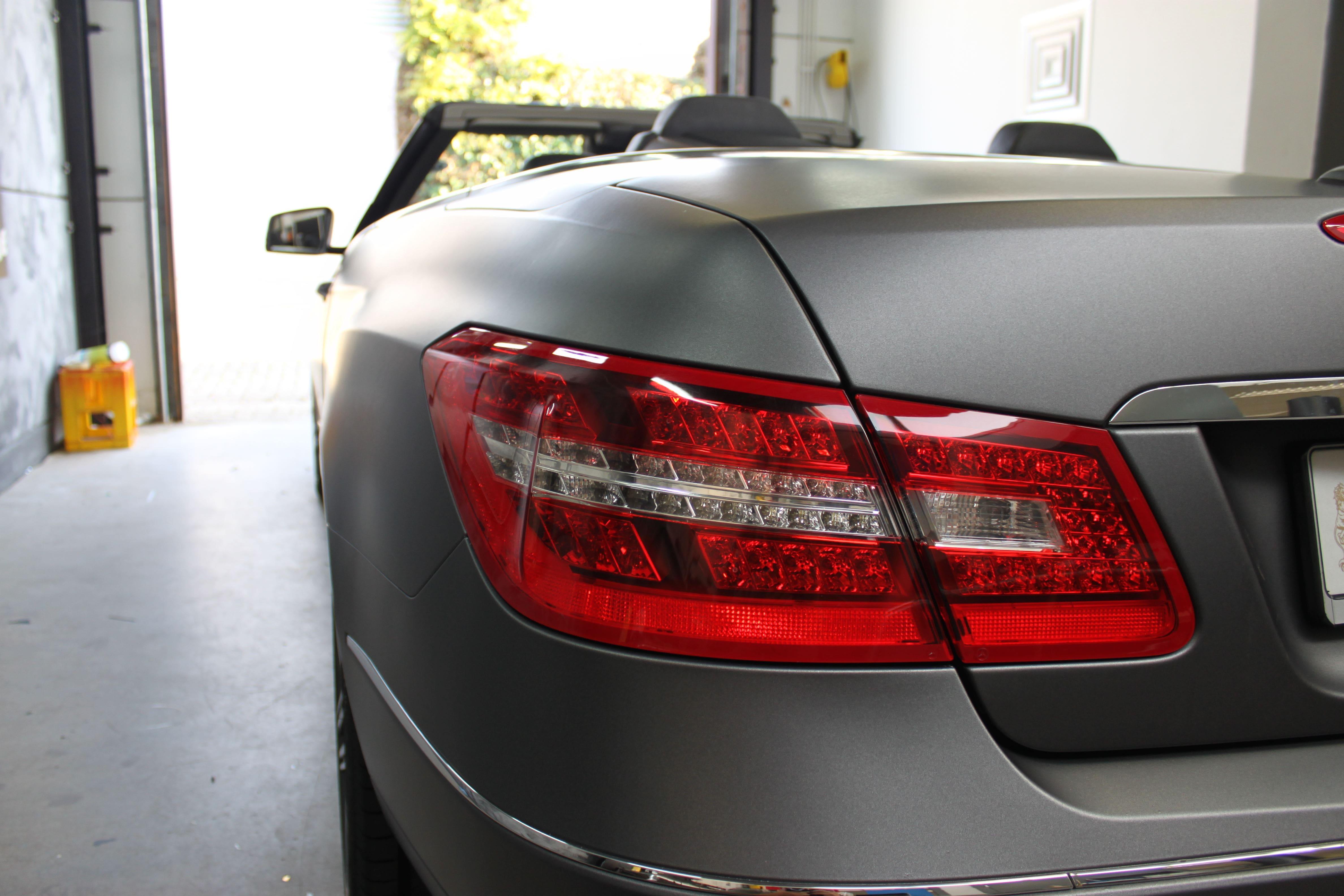 Mercedes E-Klasse Cabrio met Gunpowder Wrap, Carwrapping door Wrapmyride.nu Foto-nr:6255, ©2020
