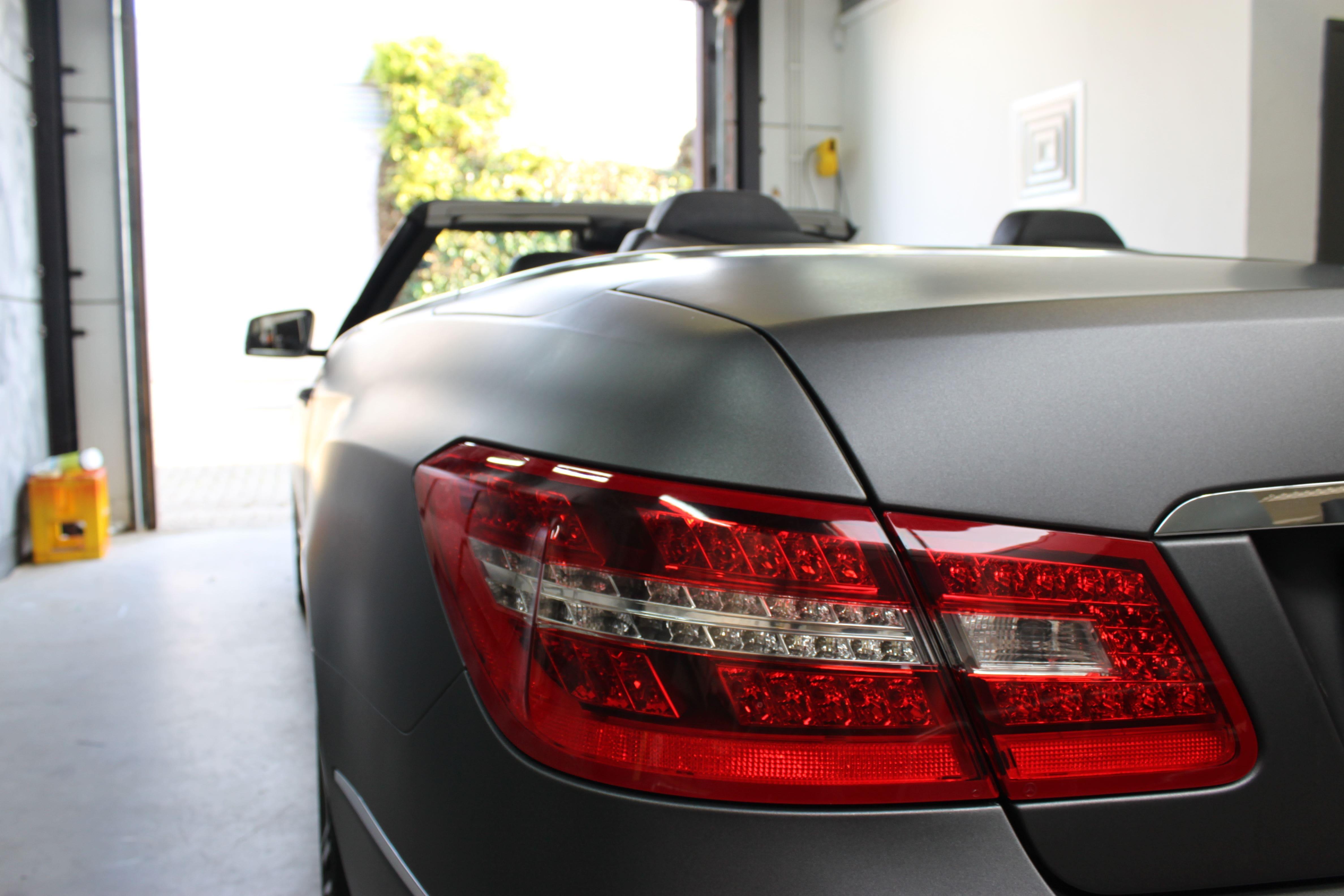 Mercedes E-Klasse Cabrio met Gunpowder Wrap, Carwrapping door Wrapmyride.nu Foto-nr:6256, ©2020