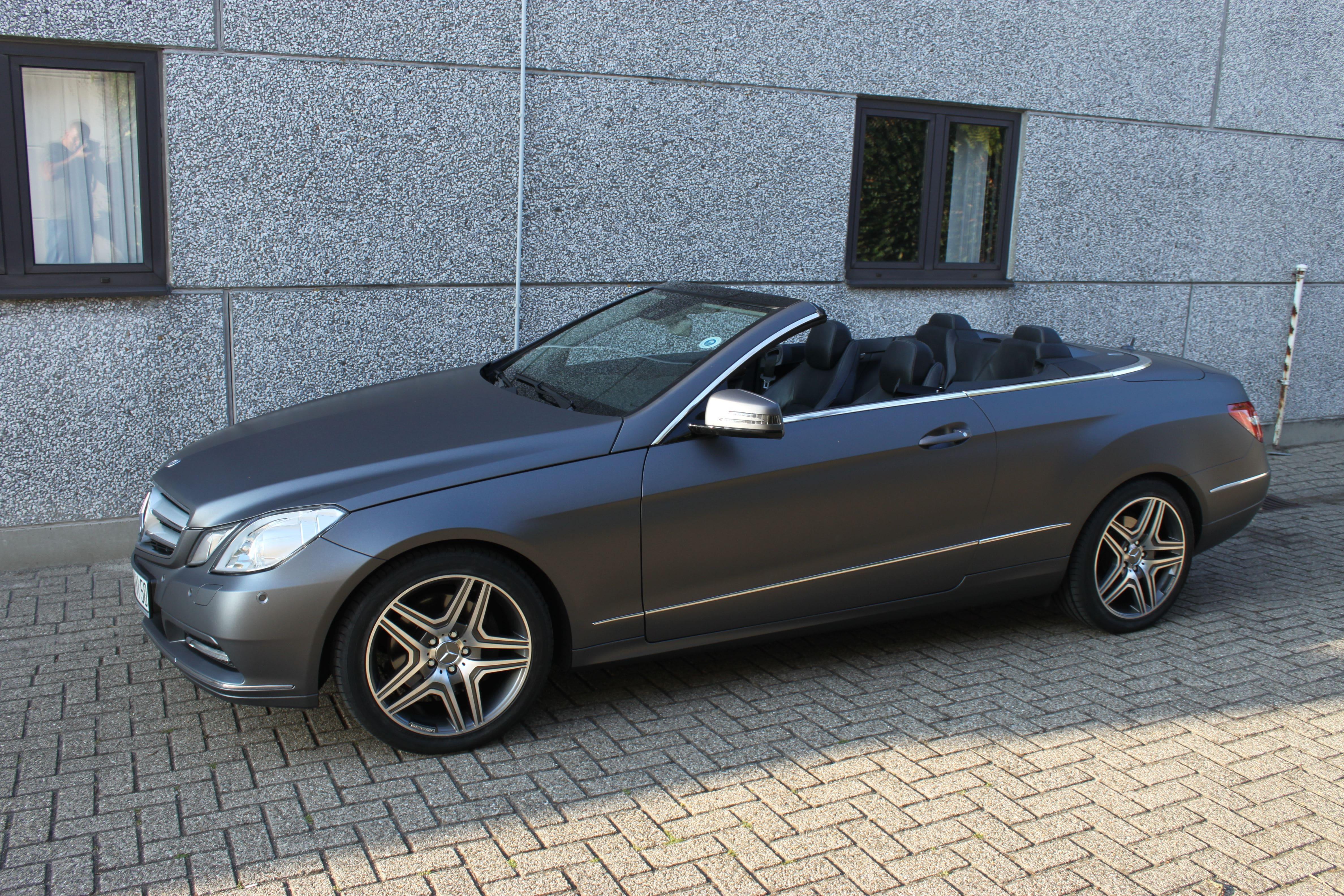 Mercedes E-Klasse Cabrio met Gunpowder Wrap, Carwrapping door Wrapmyride.nu Foto-nr:6262, ©2020