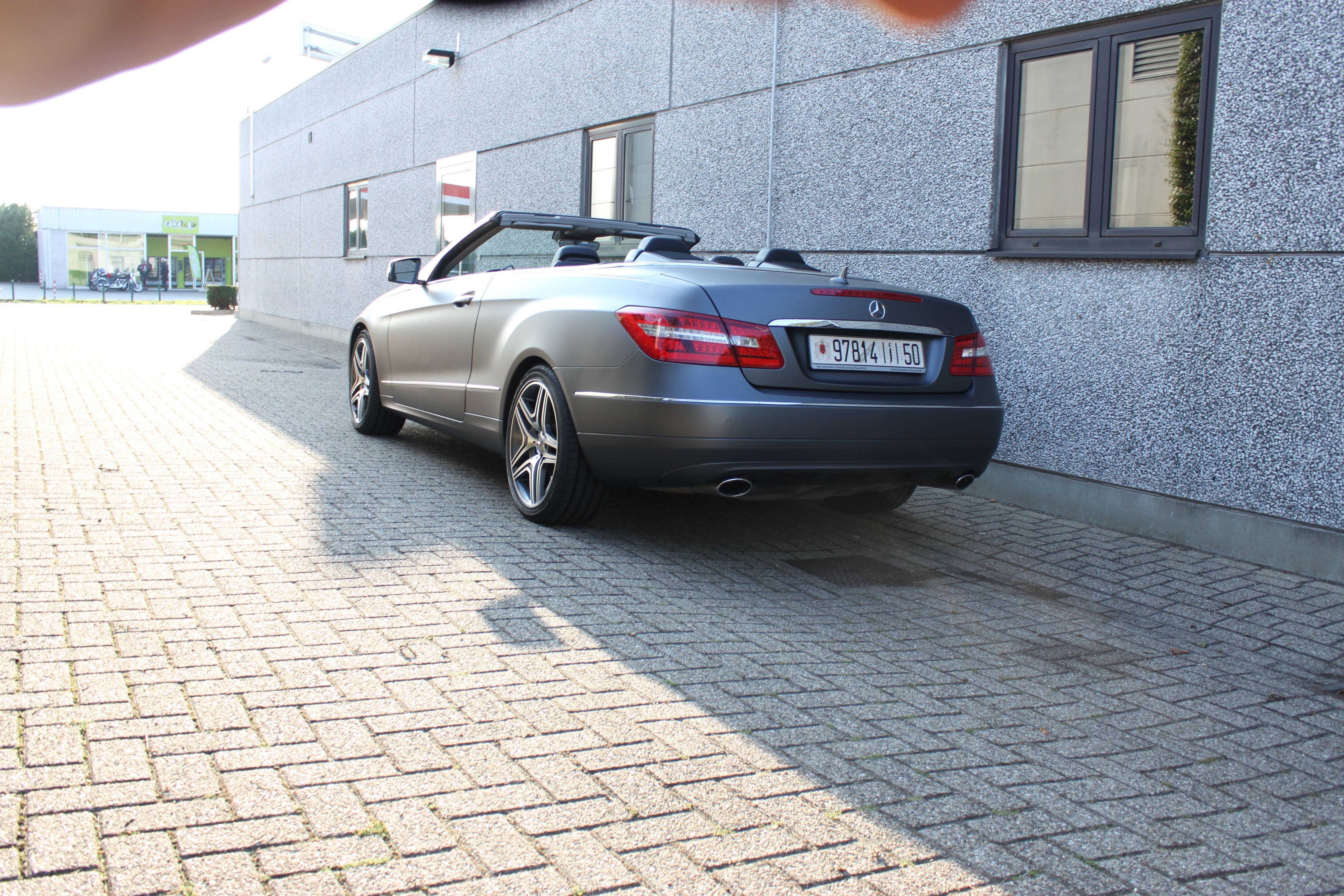 Mercedes E-Klasse Cabrio met Gunpowder Wrap, Carwrapping door Wrapmyride.nu Foto-nr:6264, ©2020