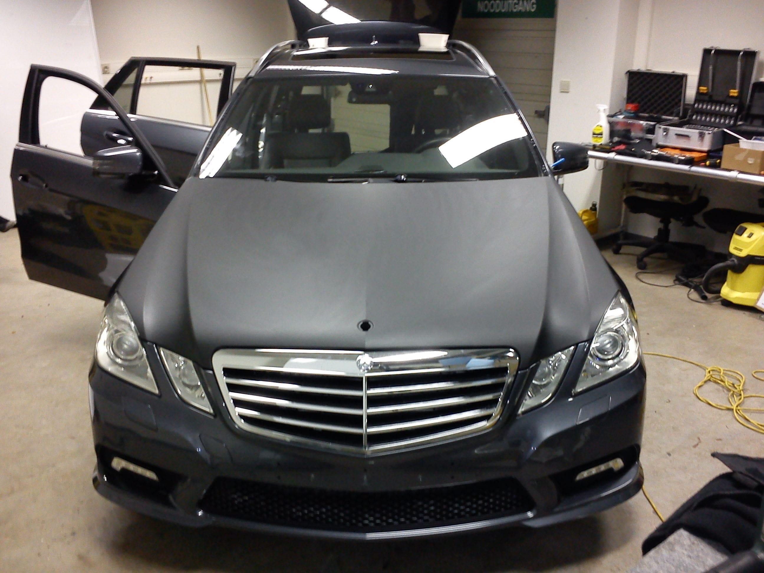 Mercedes E320 met Mat Zwarte Wrap, Carwrapping door Wrapmyride.nu Foto-nr:6224, ©2021
