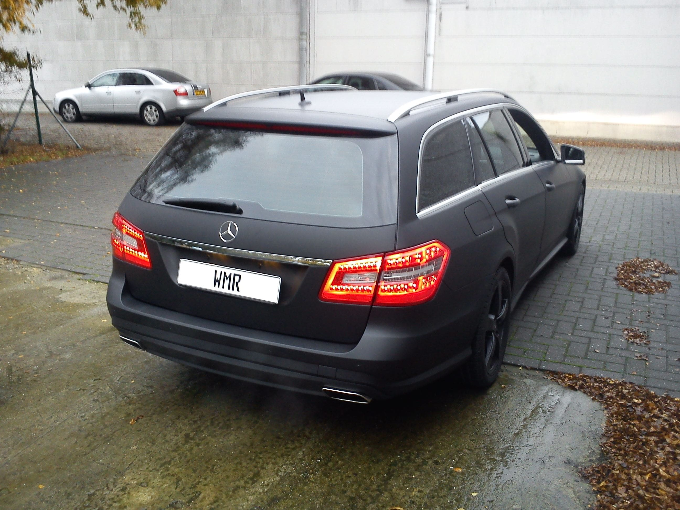 Mercedes E320 met Mat Zwarte Wrap, Carwrapping door Wrapmyride.nu Foto-nr:6232, ©2020