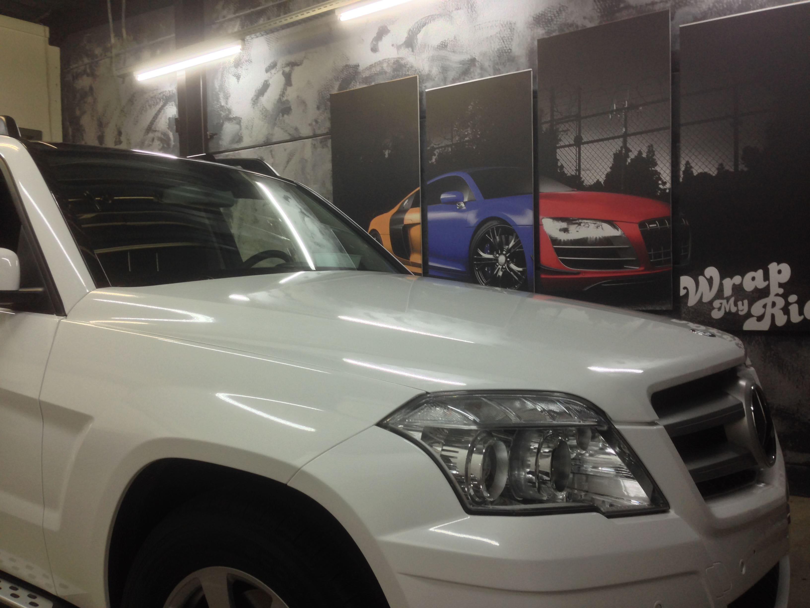 Mercedes GLK met Glossy White Wrap, Carwrapping door Wrapmyride.nu Foto-nr:6301, ©2020