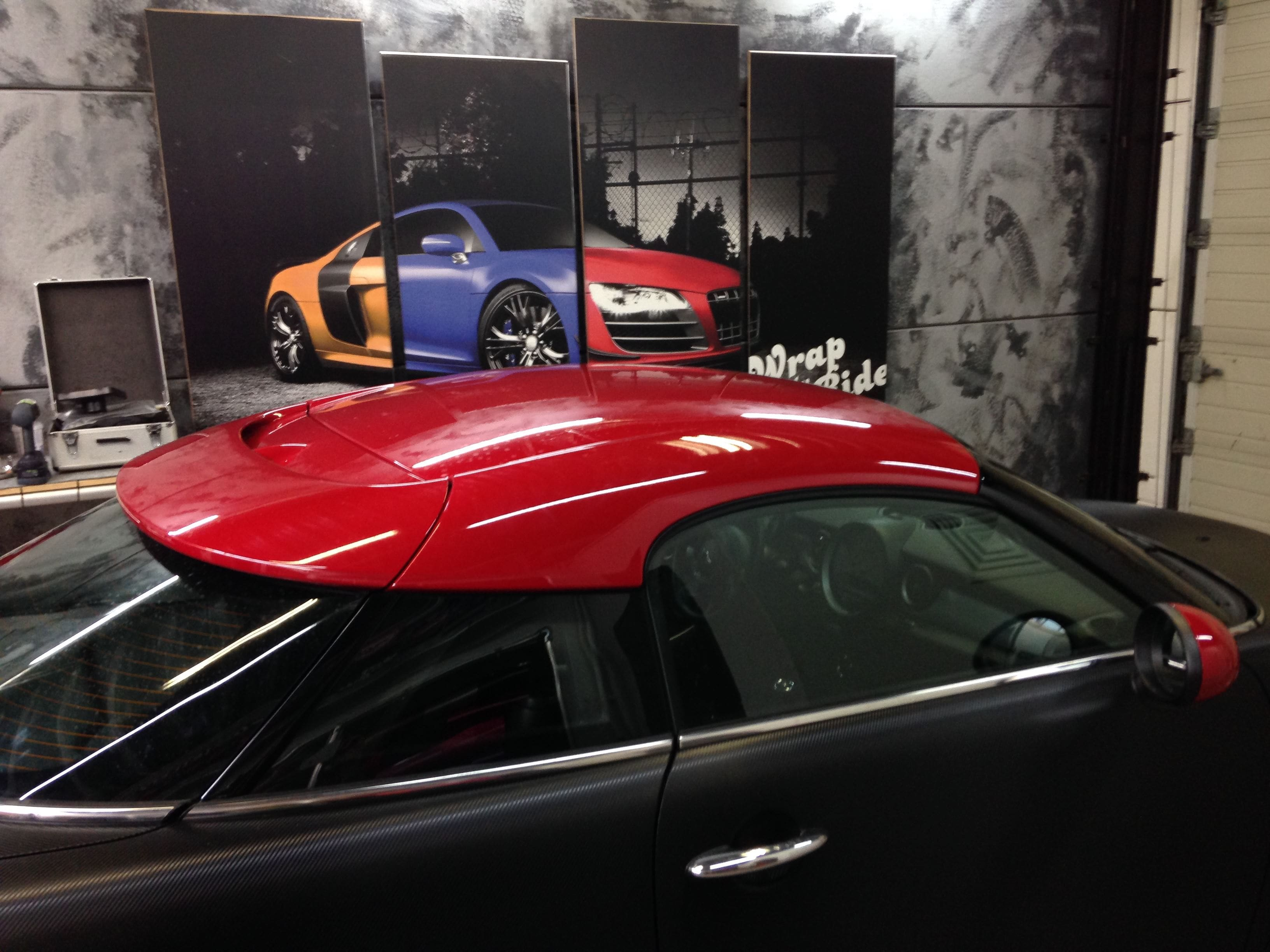 Mini Cooper Coupe in Carbon Wrap met Rode accenten, Carwrapping door Wrapmyride.nu Foto-nr:6393, ©2021