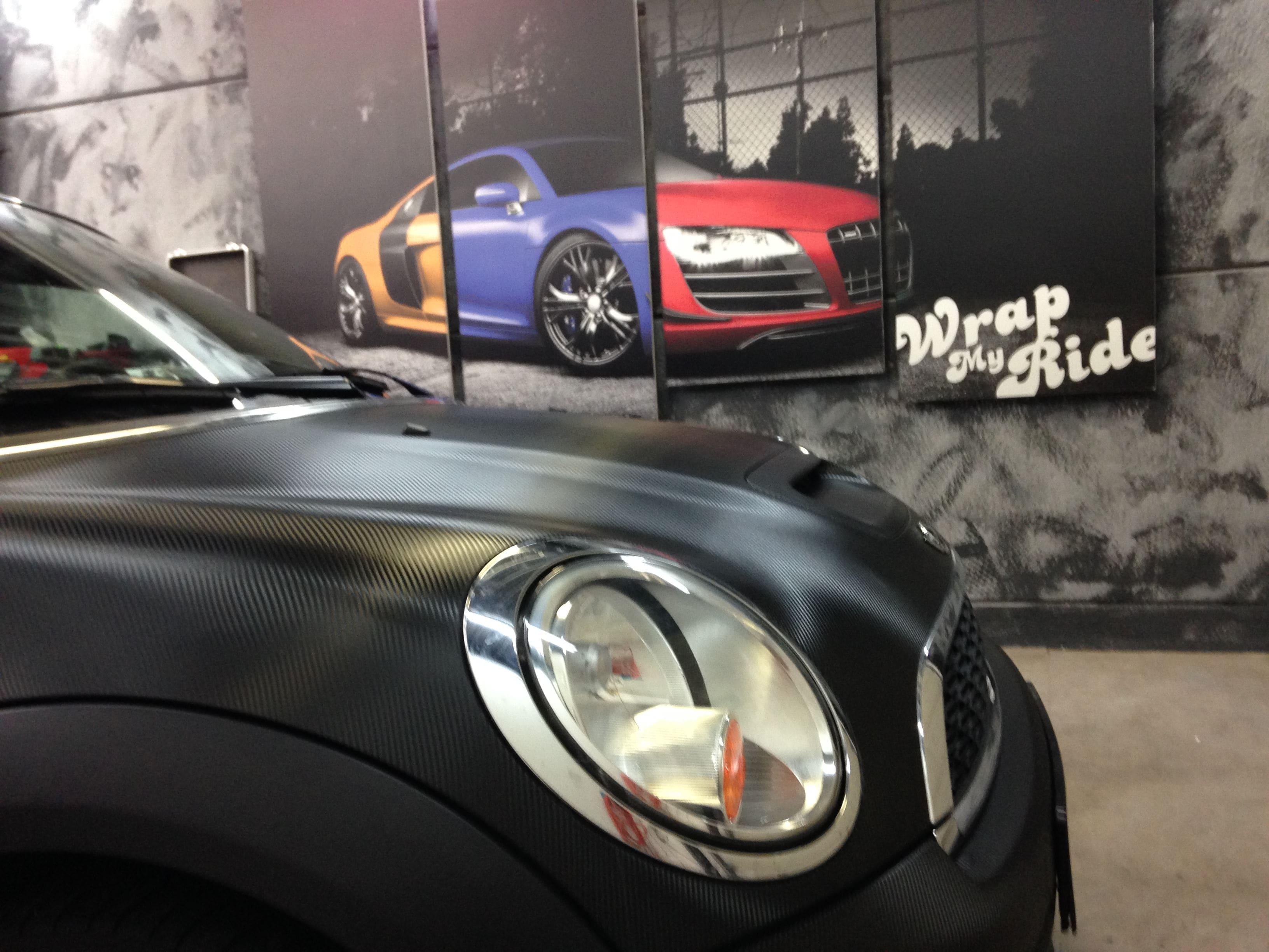Mini Cooper Coupe in Carbon Wrap met Rode accenten, Carwrapping door Wrapmyride.nu Foto-nr:6394, ©2021