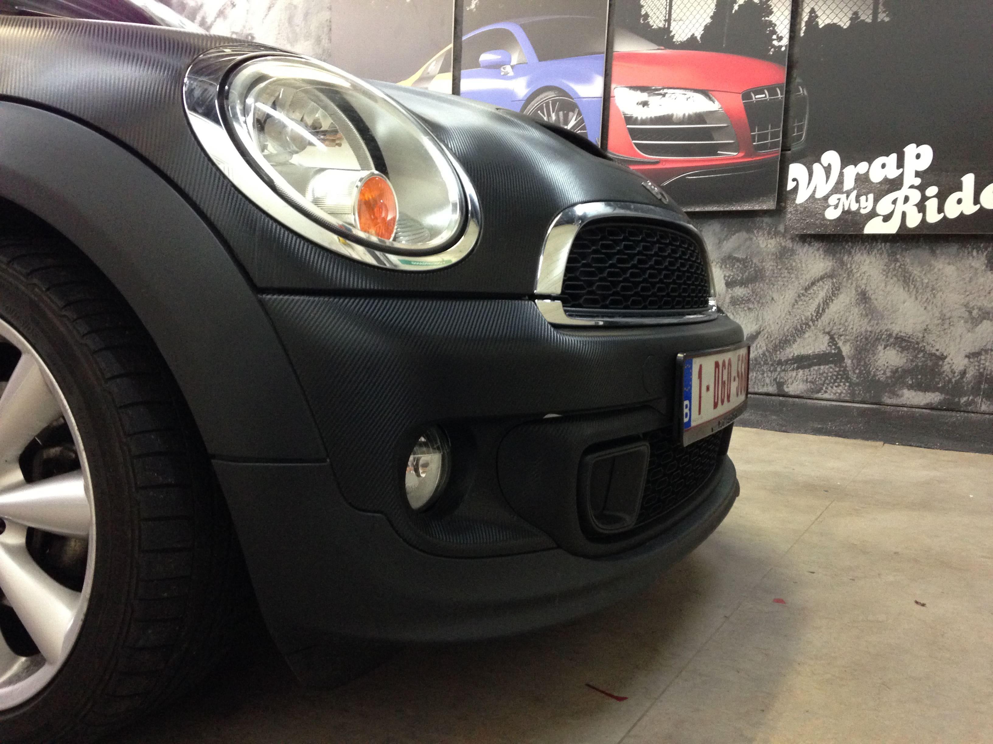 Mini Cooper Coupe in Carbon Wrap met Rode accenten, Carwrapping door Wrapmyride.nu Foto-nr:6395, ©2021