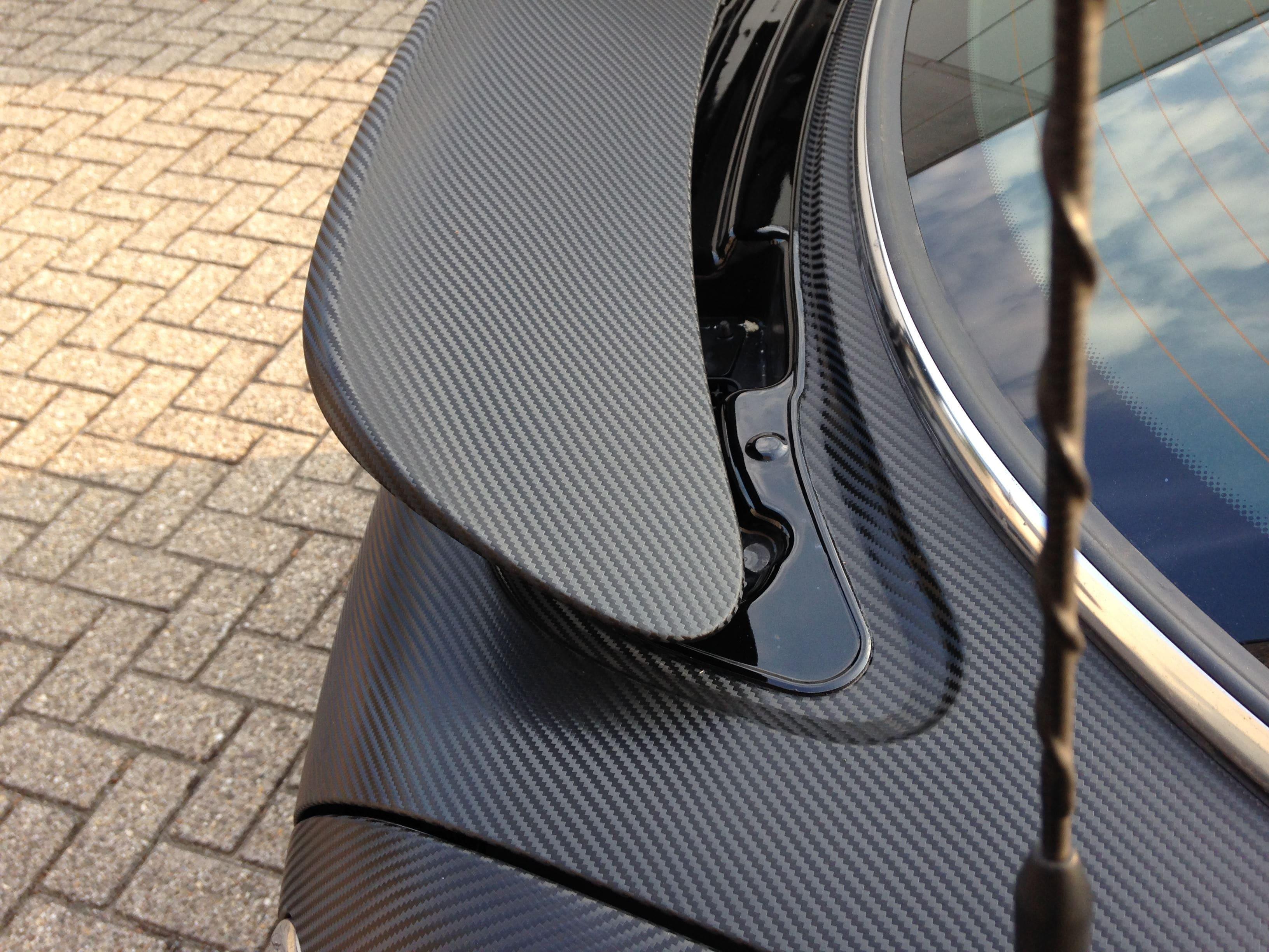 Mini Cooper Coupe in Carbon Wrap met Rode accenten, Carwrapping door Wrapmyride.nu Foto-nr:6400, ©2021