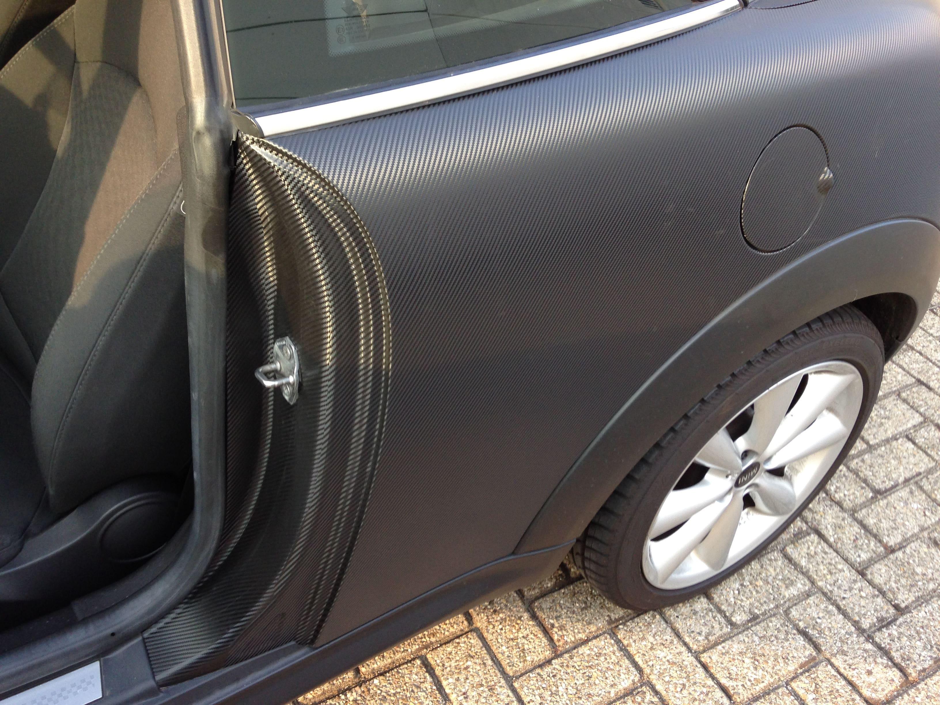 Mini Cooper Coupe in Carbon Wrap met Rode accenten, Carwrapping door Wrapmyride.nu Foto-nr:6402, ©2021